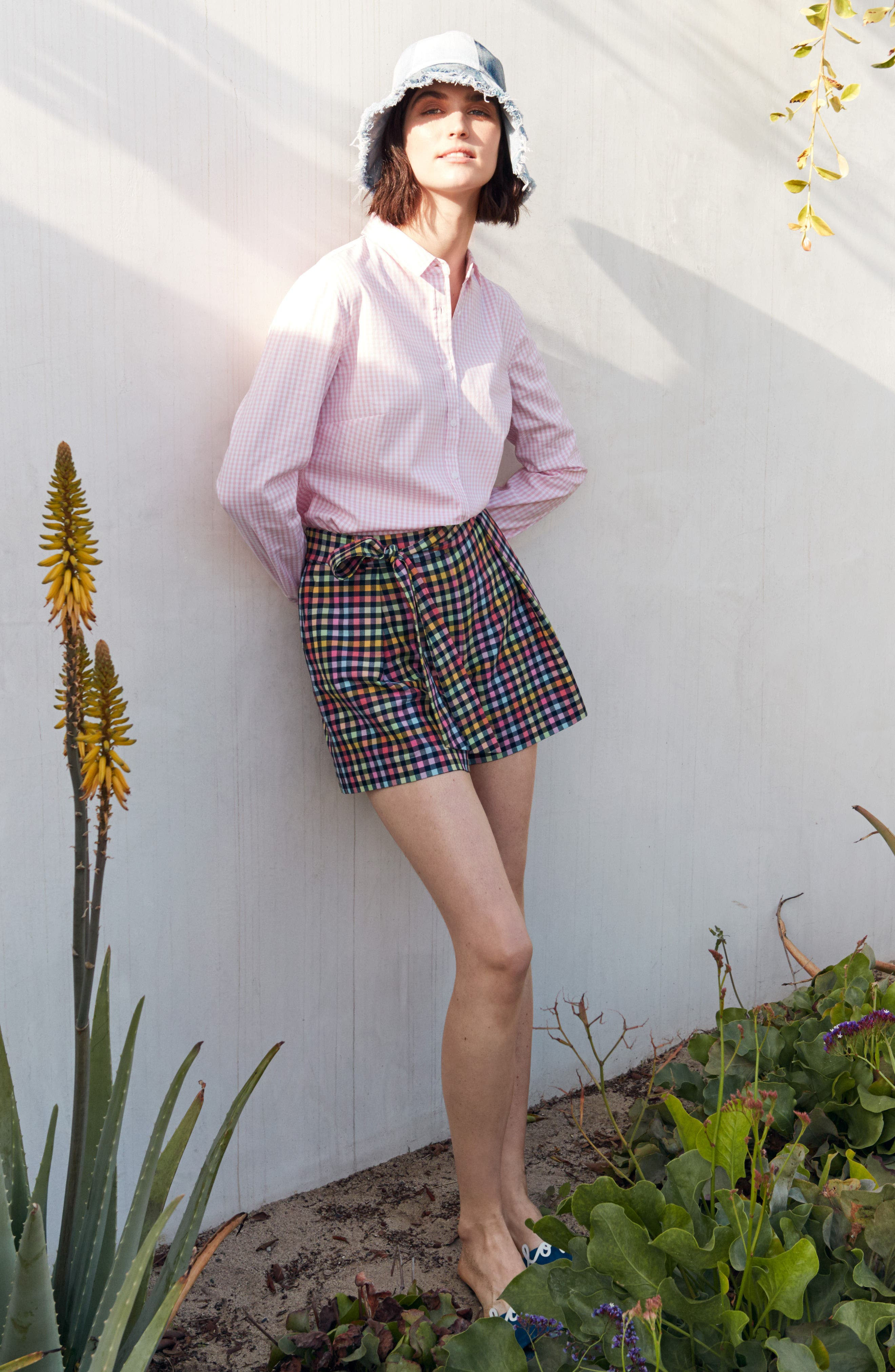 Pleated Plaid Bow Tie Shorts,                             Alternate thumbnail 7, color,                             410