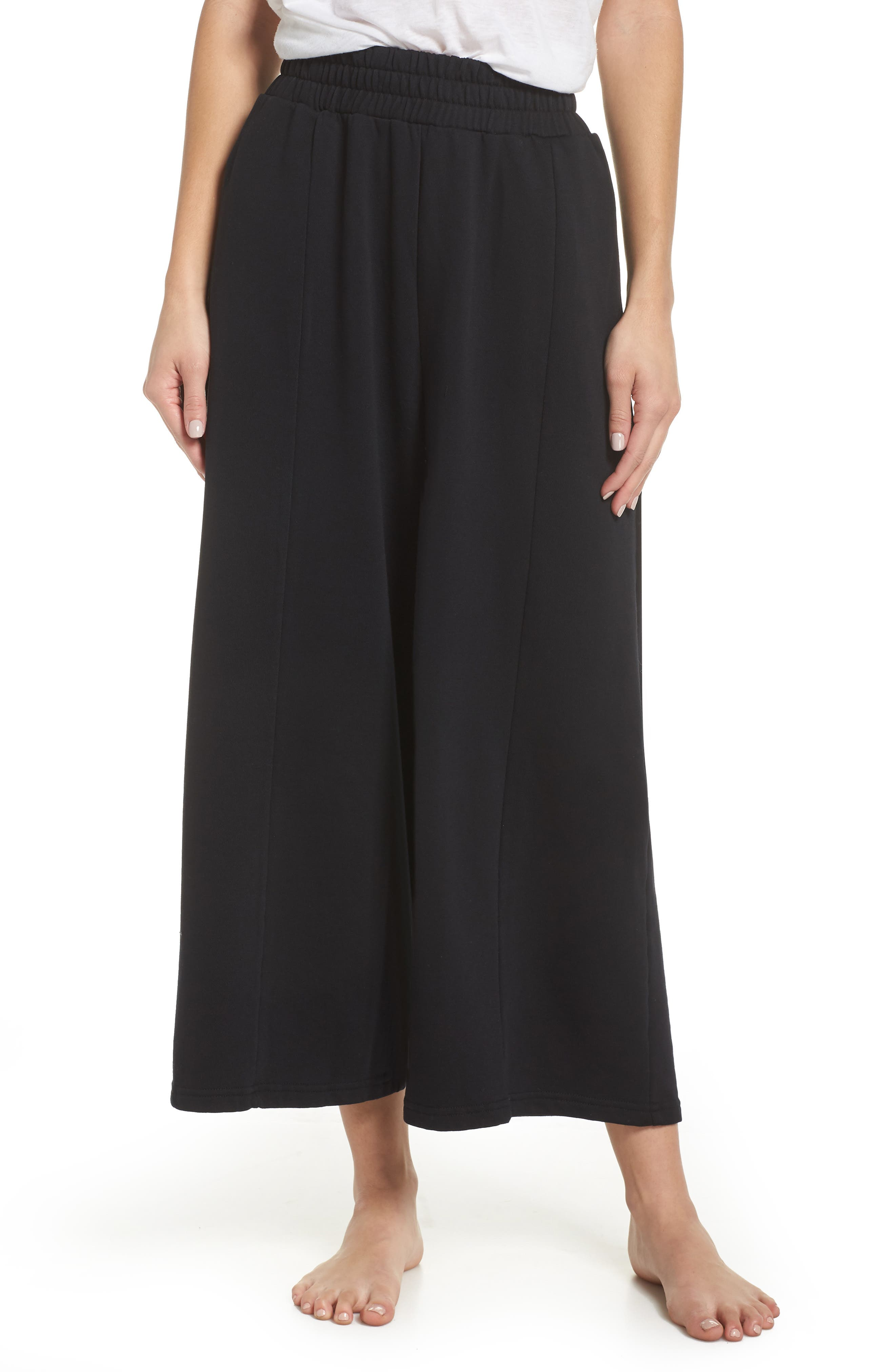 THE LAUNDRY ROOM Flare Leg Crop Pants in Black