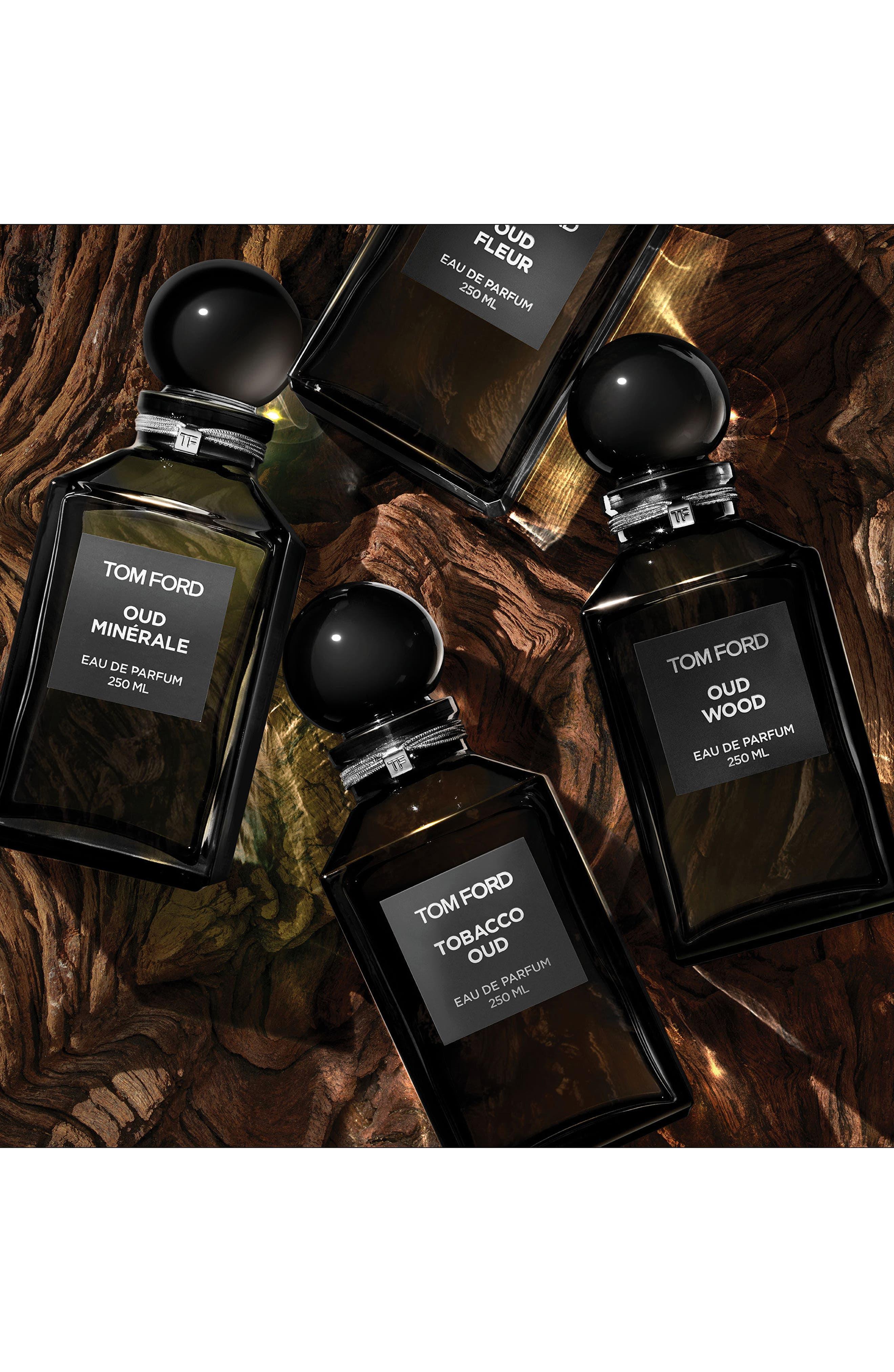 Private Blend Oud Wood Eau de Parfum Decanter,                             Alternate thumbnail 4, color,                             NO COLOR