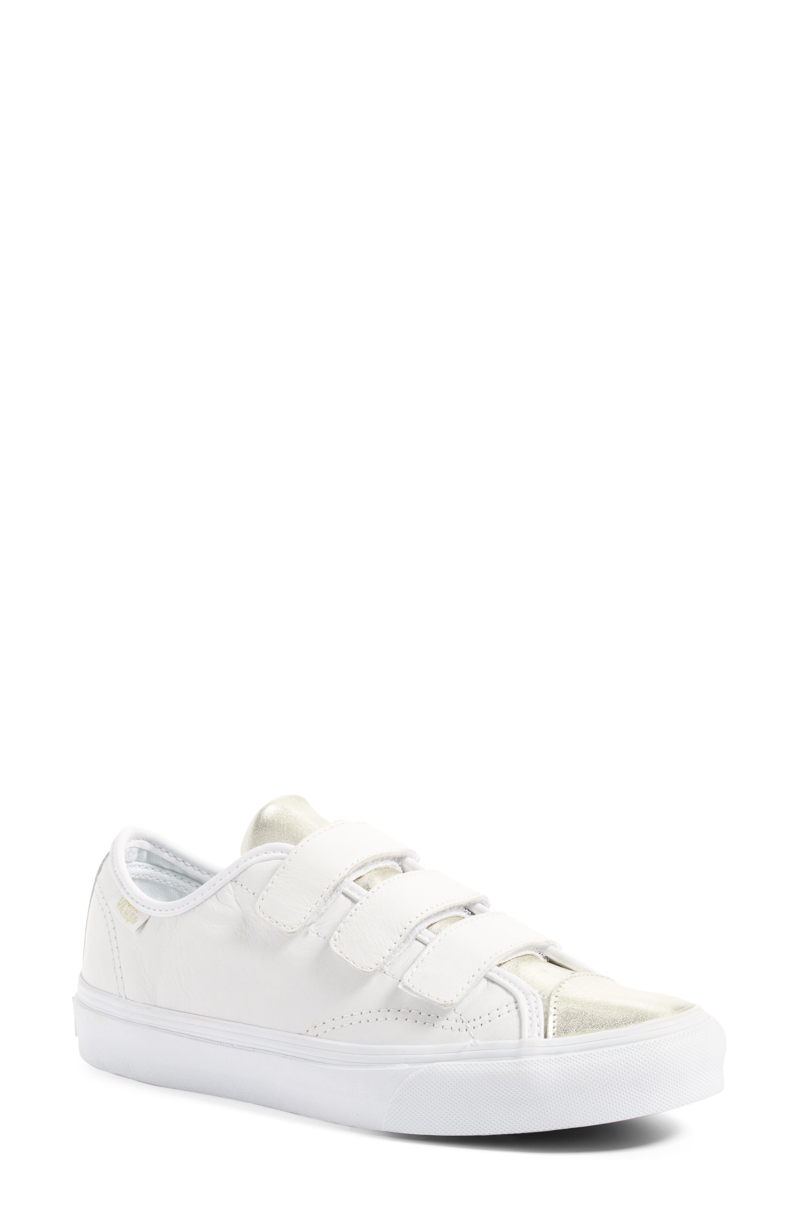 Style 23 V Sneaker,                             Main thumbnail 6, color,