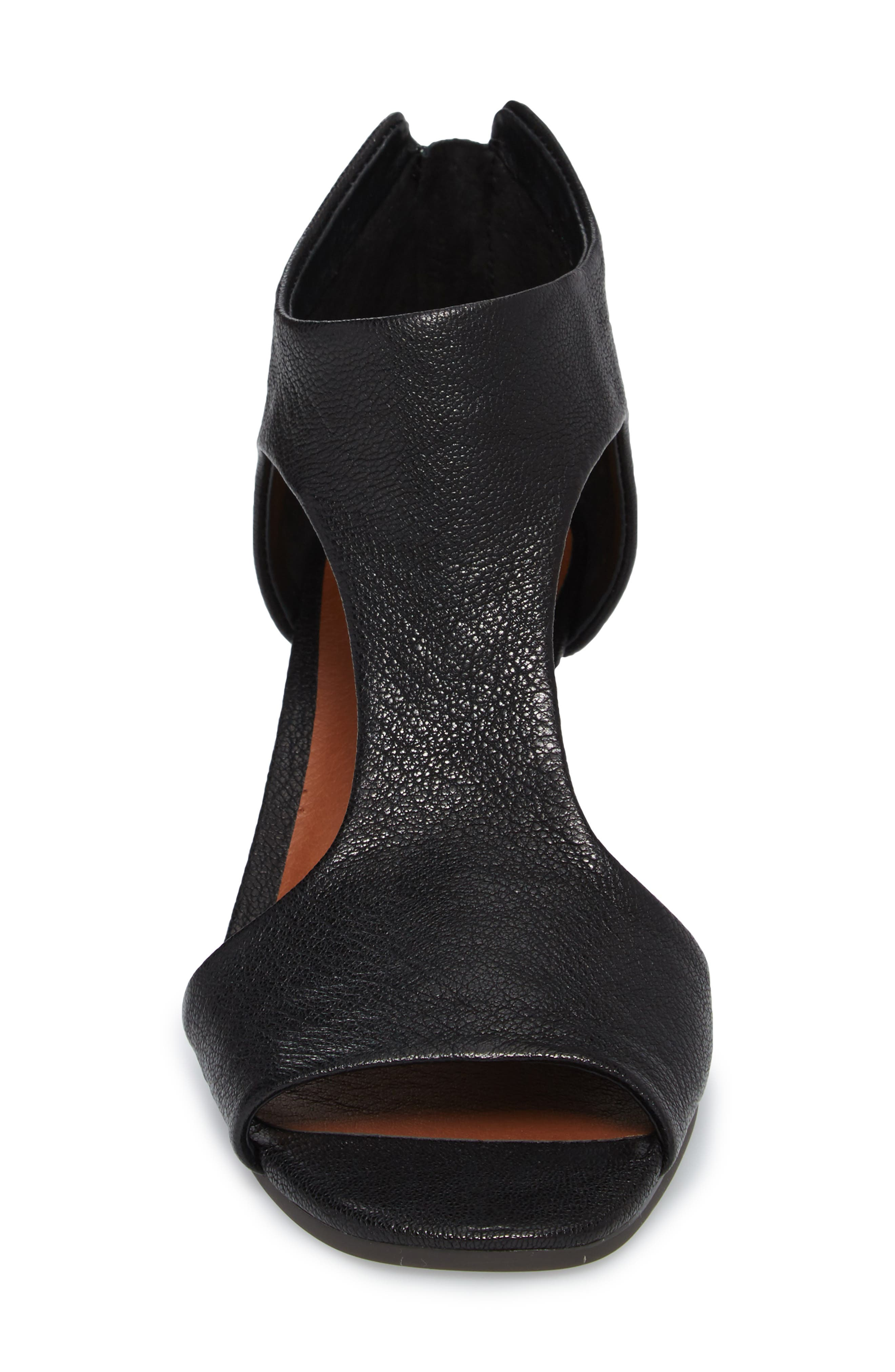 Tehirr Wedge Sandal,                             Alternate thumbnail 4, color,                             001