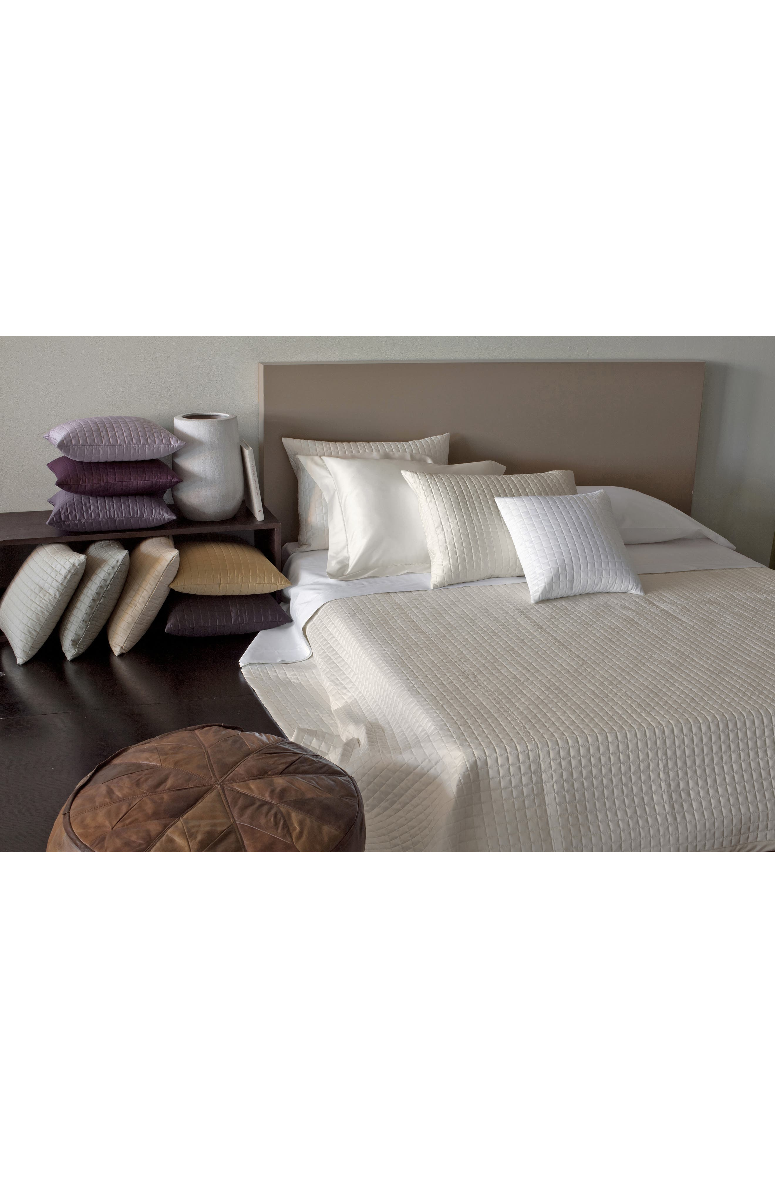 Masaccio 300 Thread Count Quilted Coverlet, Main, color, PEARL