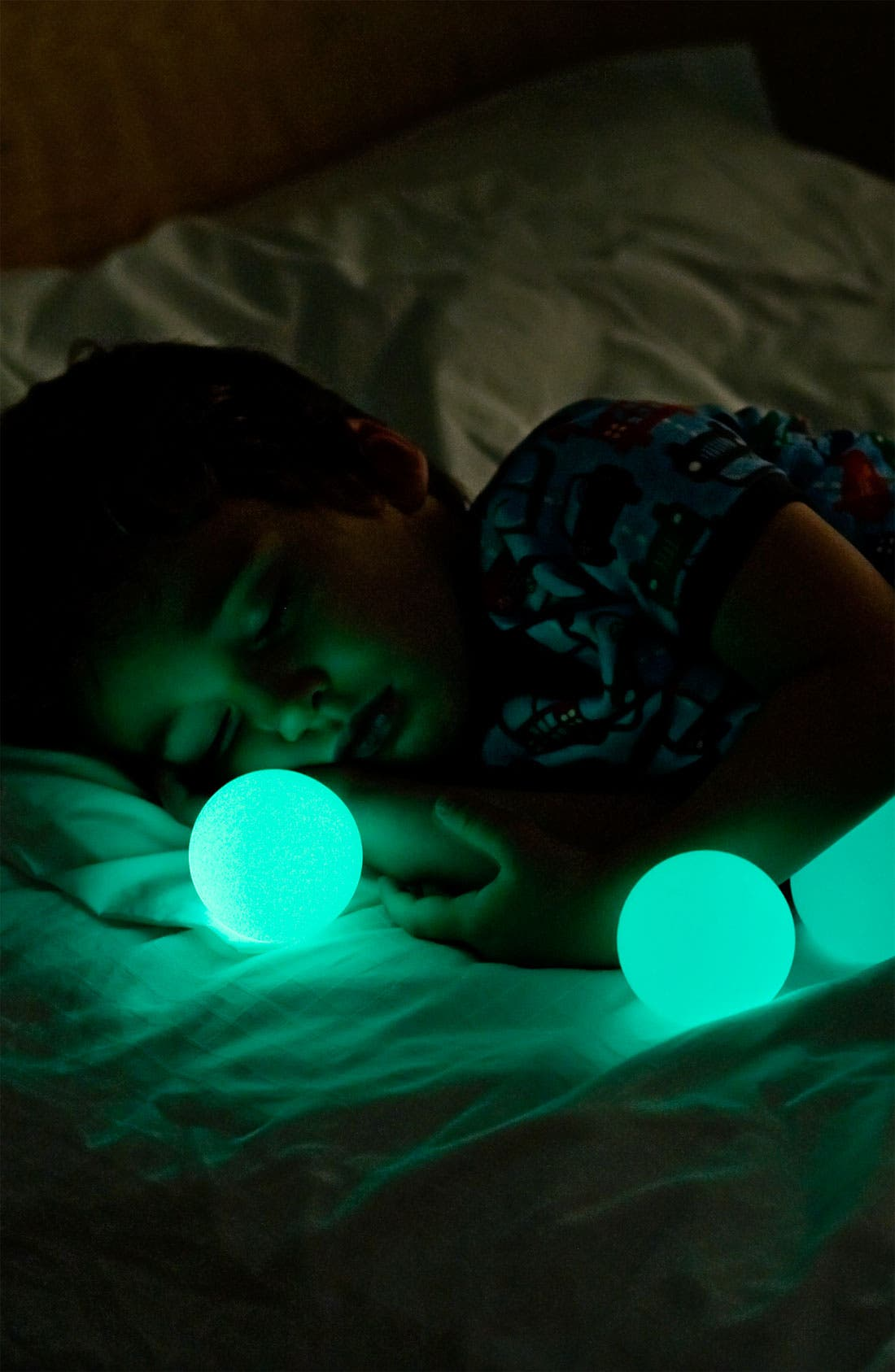 'Glo' Color Changing Night Light,                             Alternate thumbnail 4, color,                             WHITE