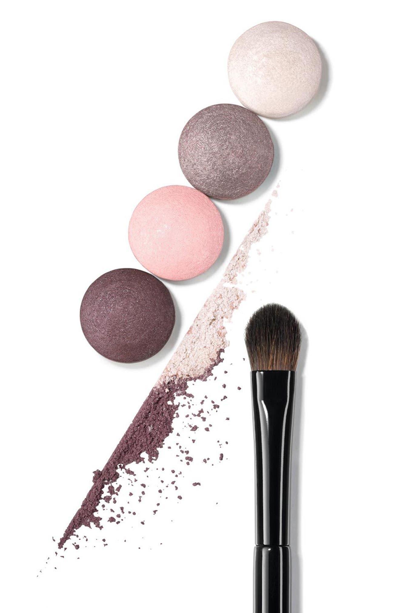 LES PINCEAUX DE CHANEL<br />Flat Eyeshadow Brush,                             Alternate thumbnail 2, color,                             NO COLOR