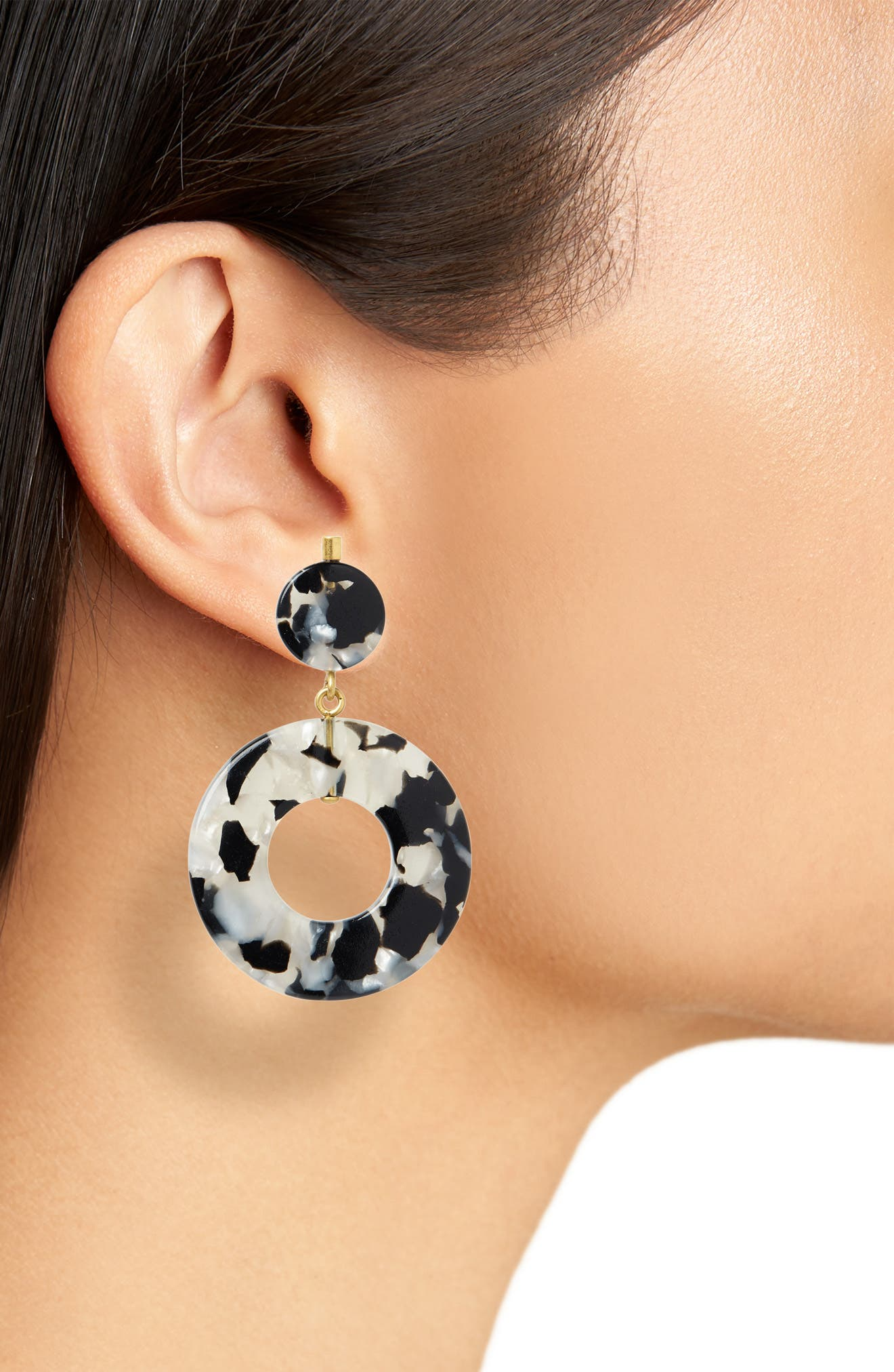 Circle Statement Earrings,                             Alternate thumbnail 2, color,                             SMOKEY TORT