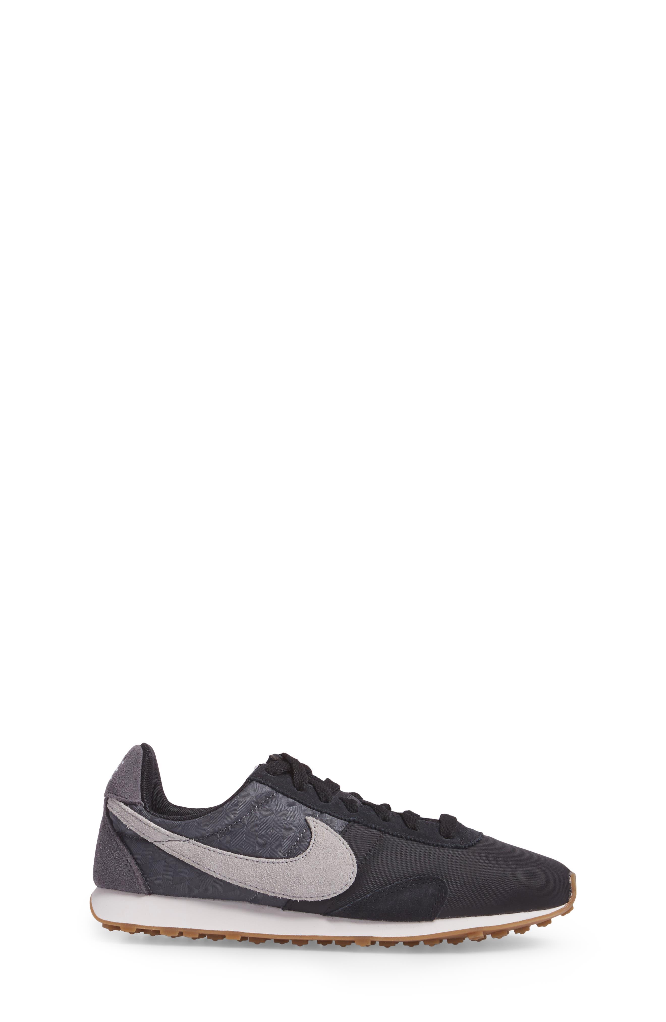 Pre Montreal Racer Sneaker,                             Alternate thumbnail 3, color,                             020