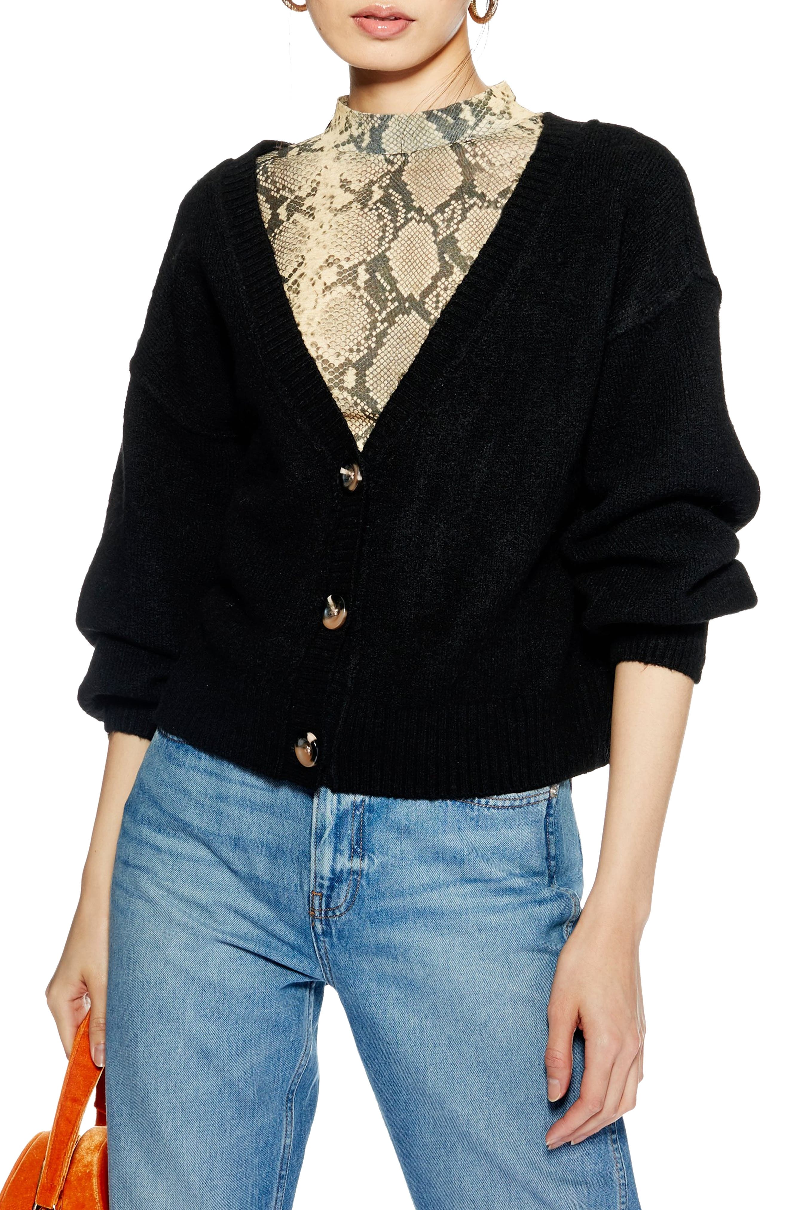 TOPSHOP,                             Horn Button Crop Cardigan,                             Main thumbnail 1, color,                             BLACK