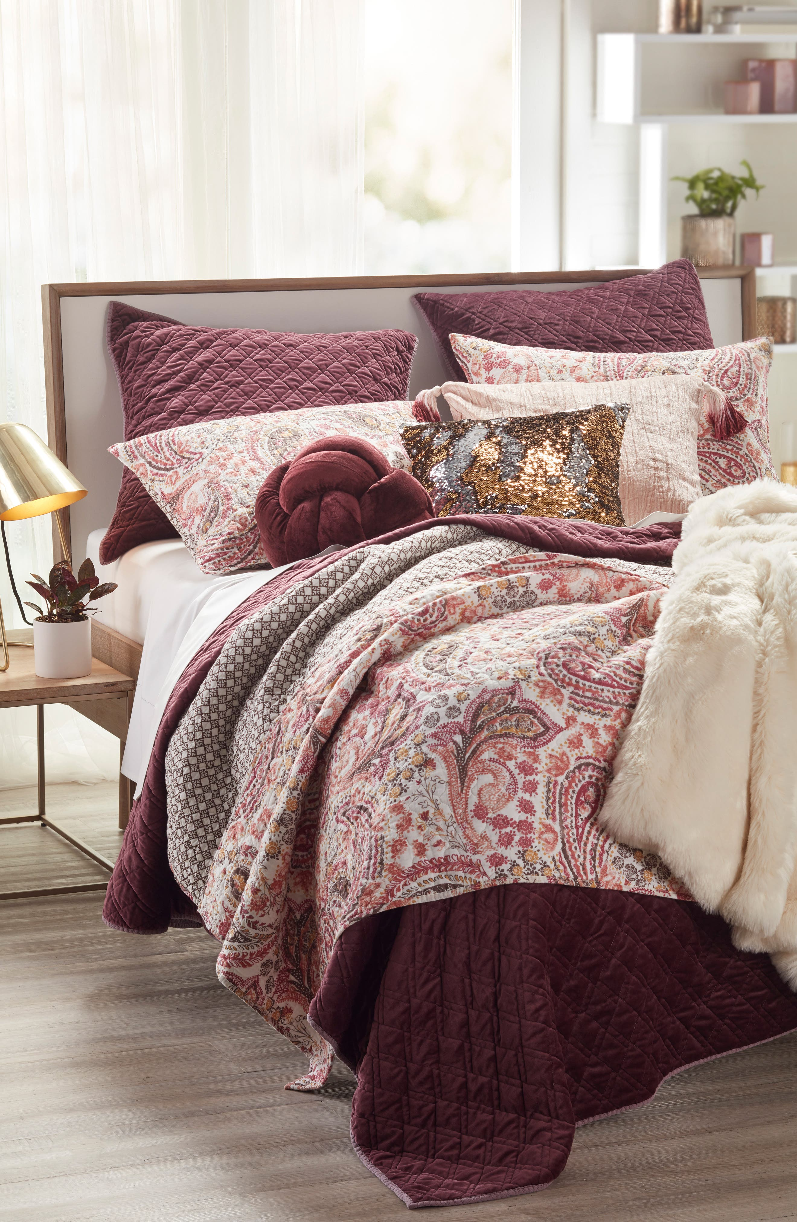 Amata Reversible Quilt,                             Alternate thumbnail 4, color,                             RED
