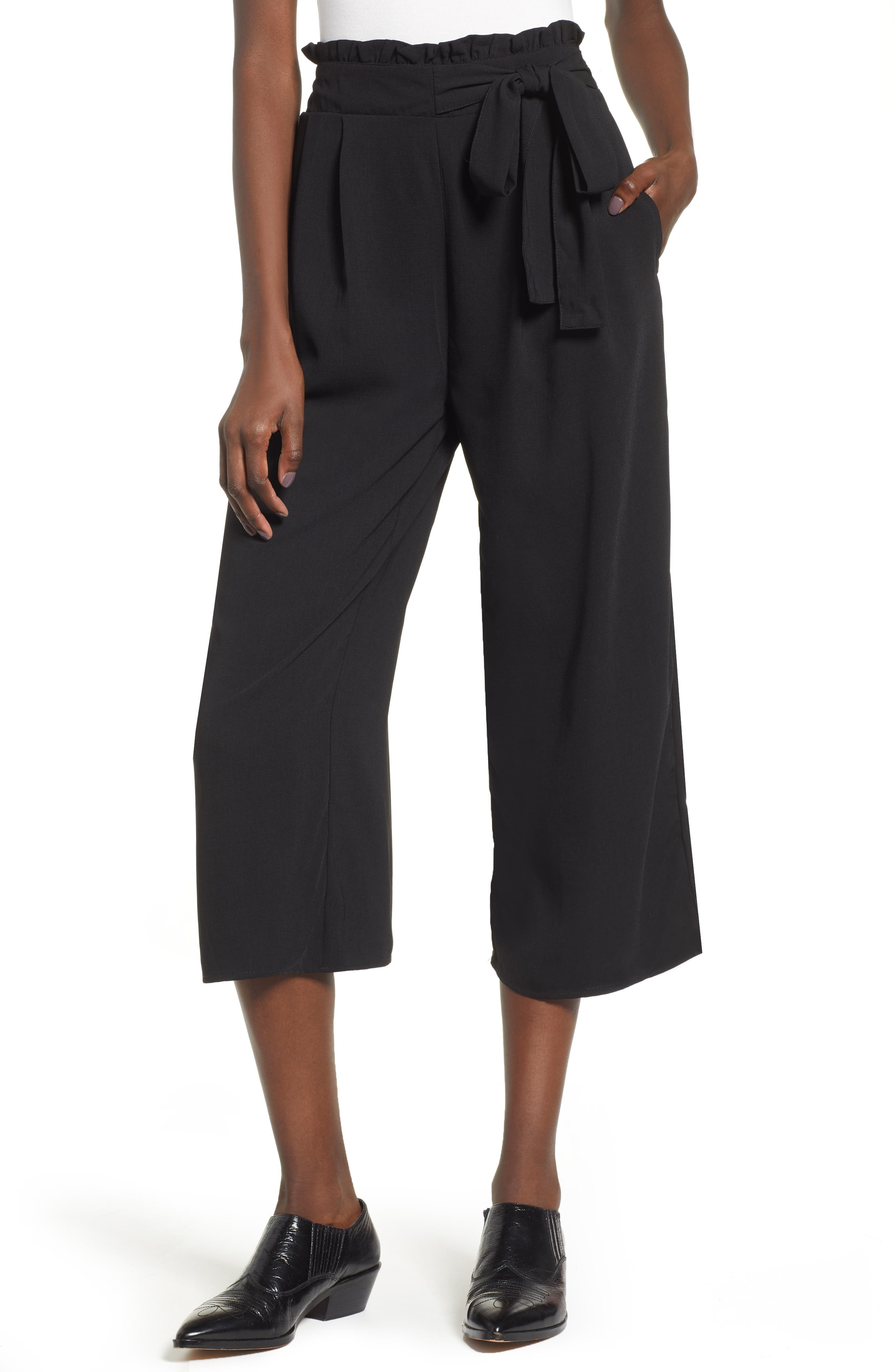 BAND OF GYPSIES Montana Belted Wide Leg Crop Pants in Black