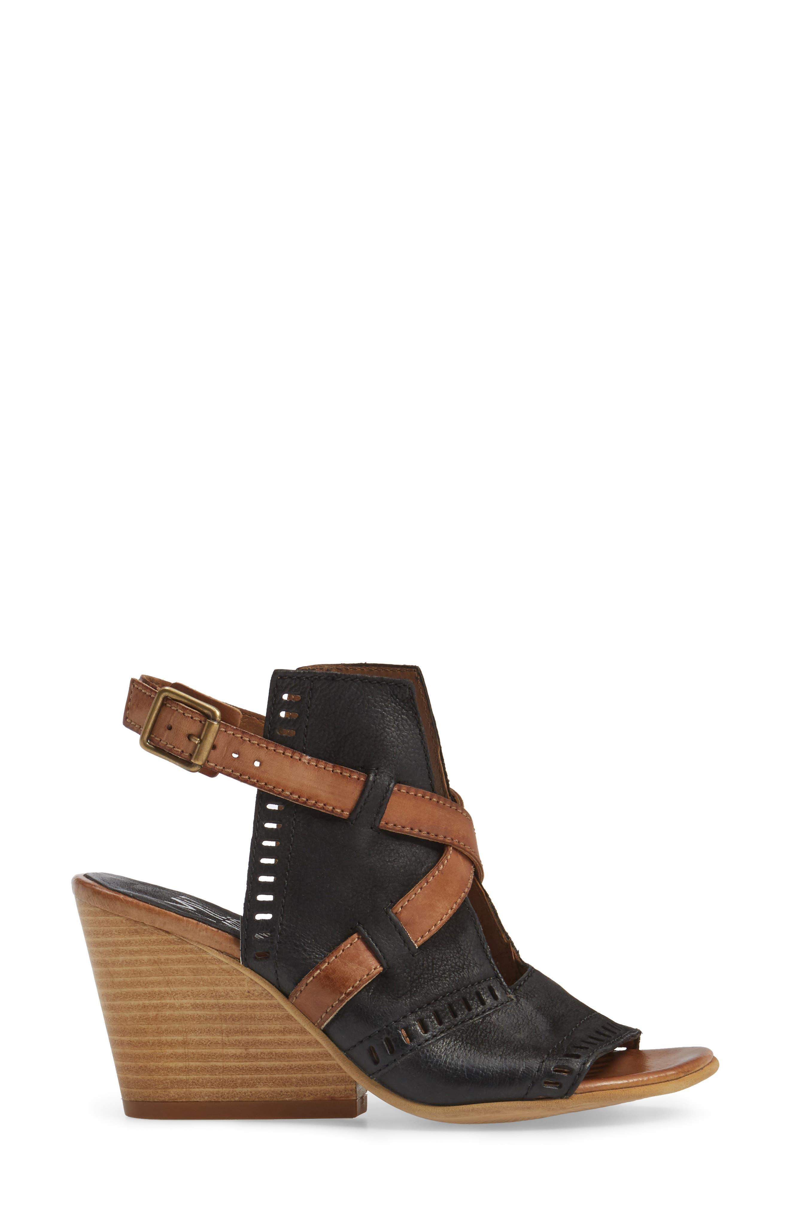 Kipling Perforated Sandal,                             Alternate thumbnail 9, color,