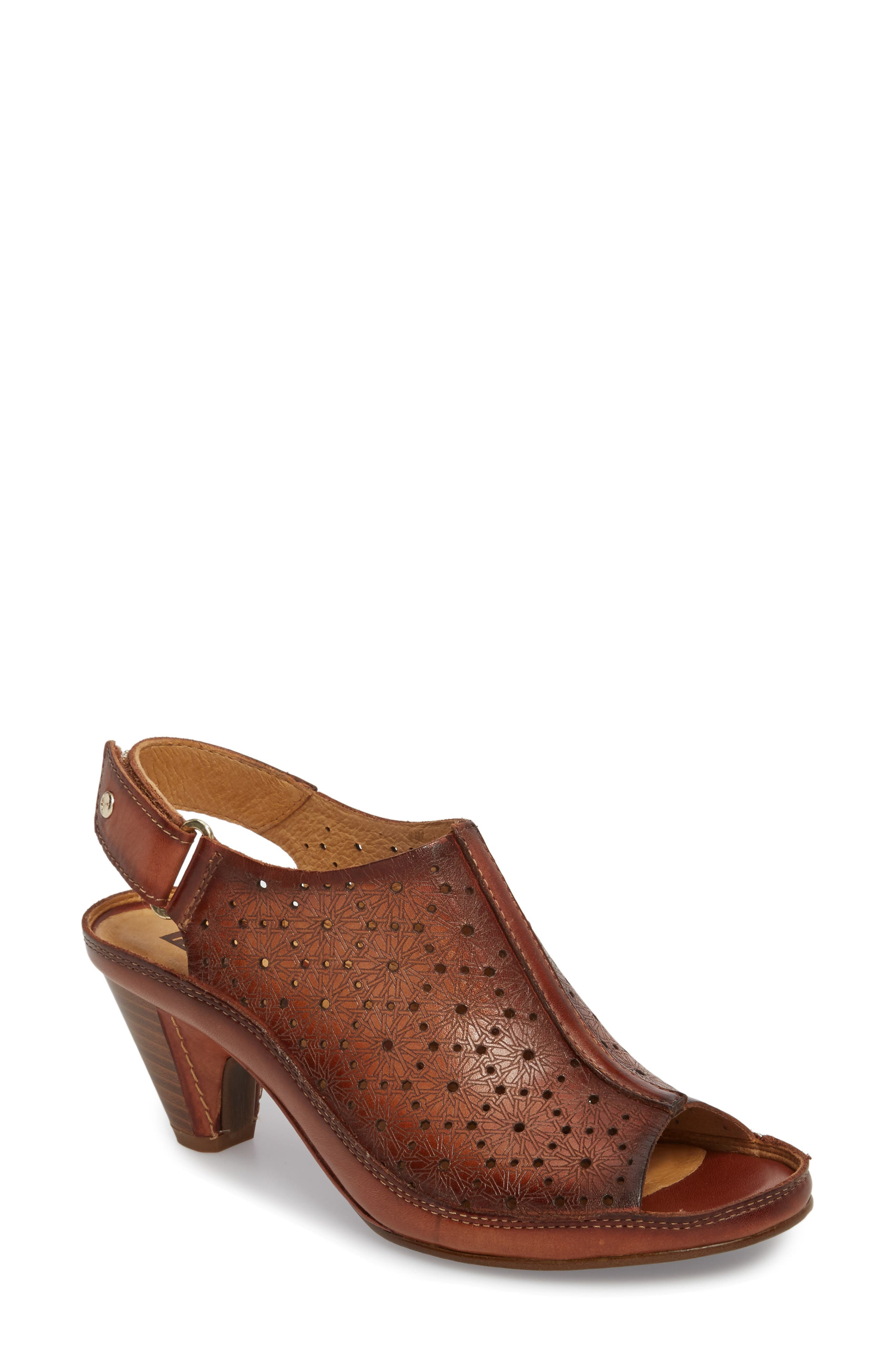 Pikolinos Java Sandal, Brown