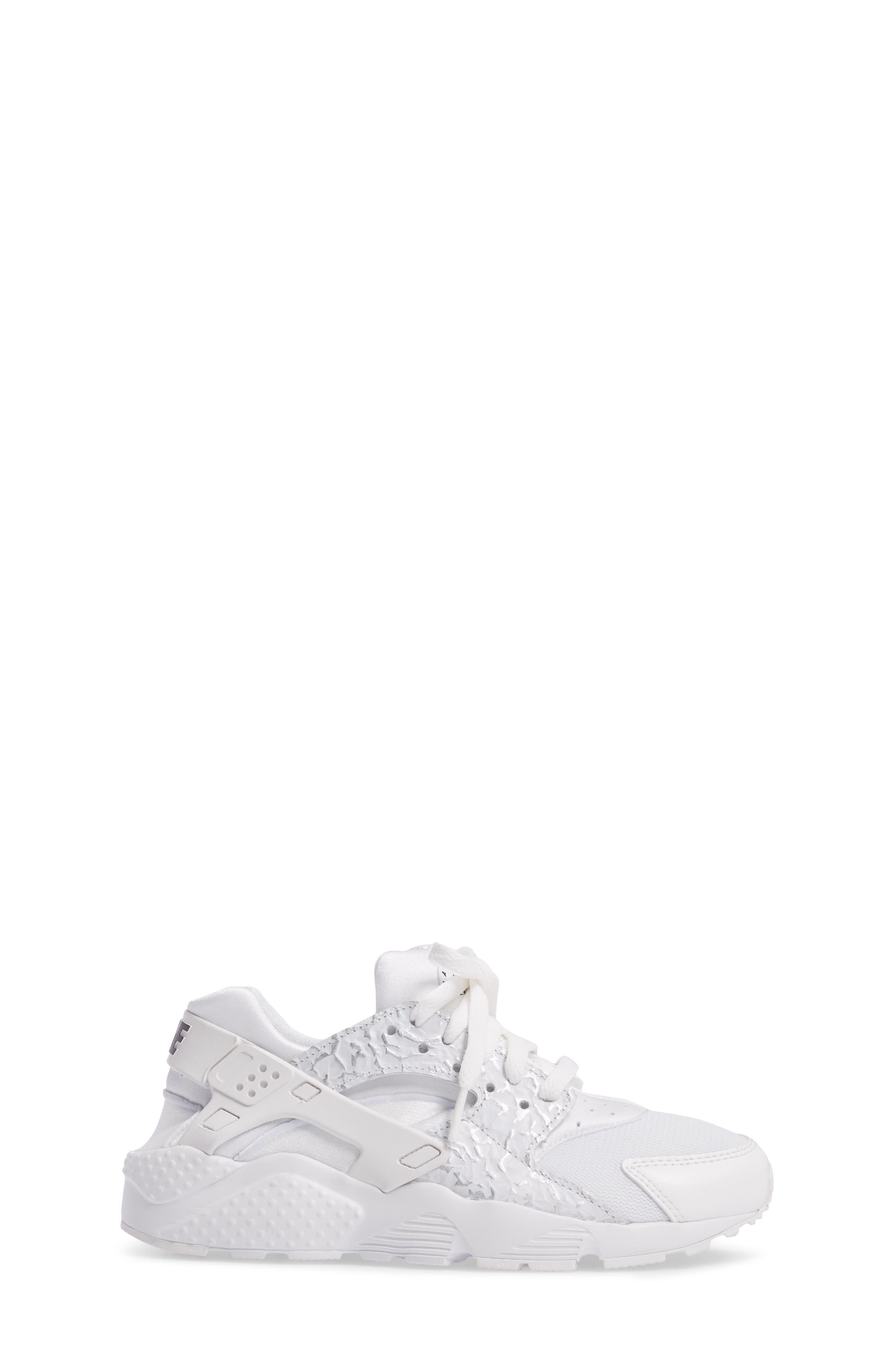 Huarache Run SE Sneaker,                             Alternate thumbnail 17, color,
