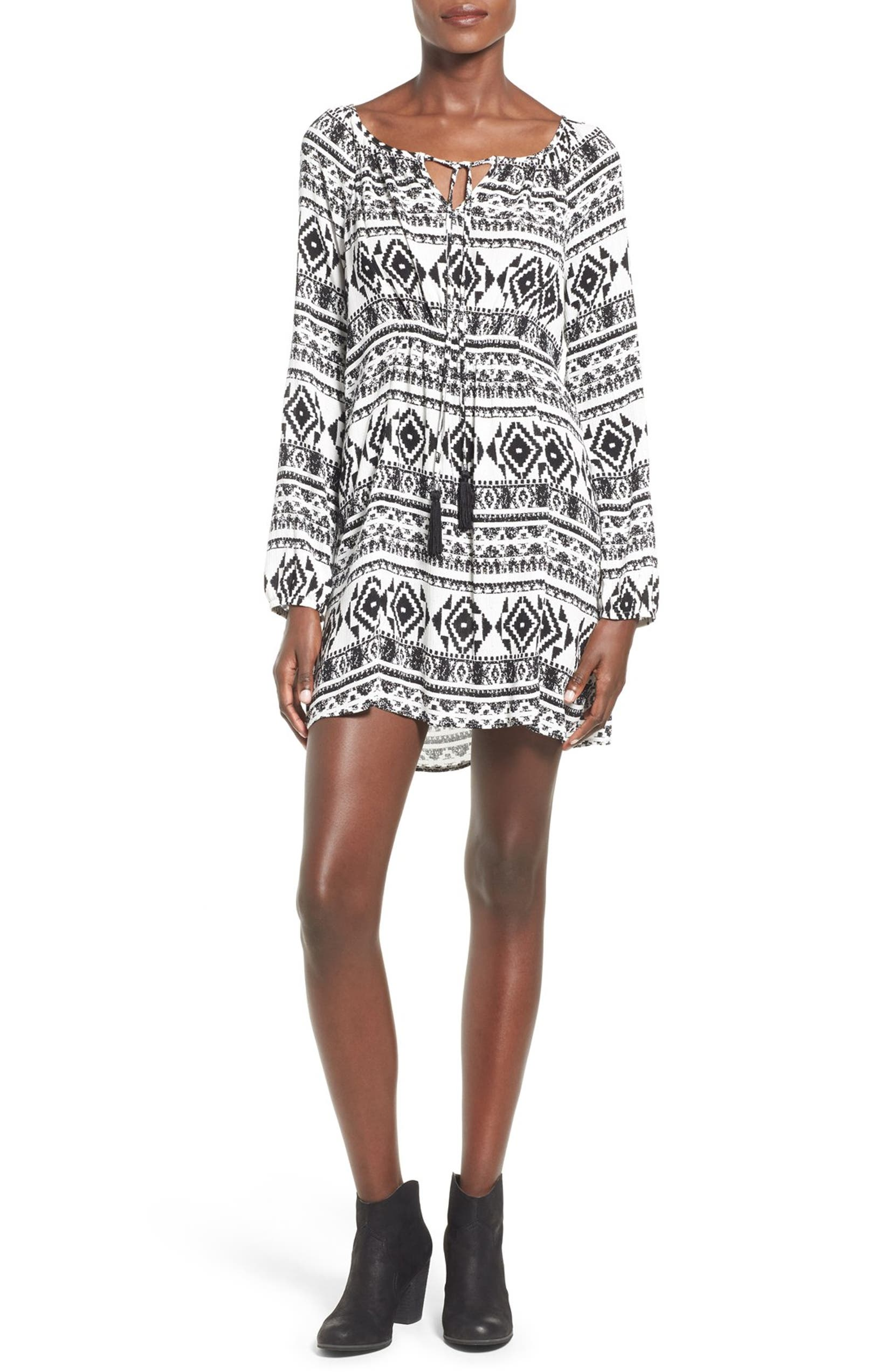 af1ff2c6f3b0 Socialite Geo Print Long Sleeve Shift Dress | Nordstrom