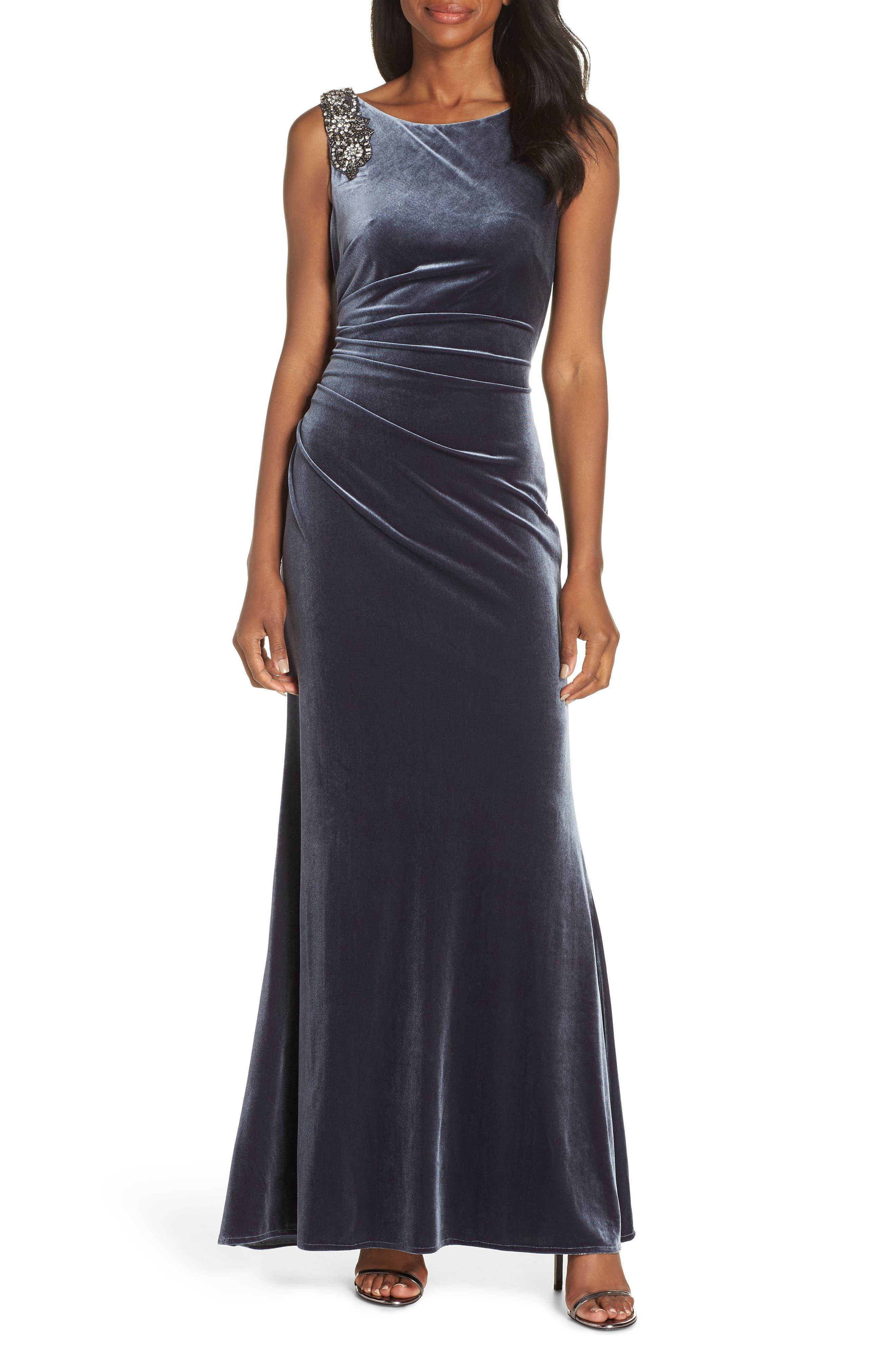 1930s Evening Dresses | Old Hollywood Dress Petite Womens Vince Camuto Embellished Gown $228.00 AT vintagedancer.com