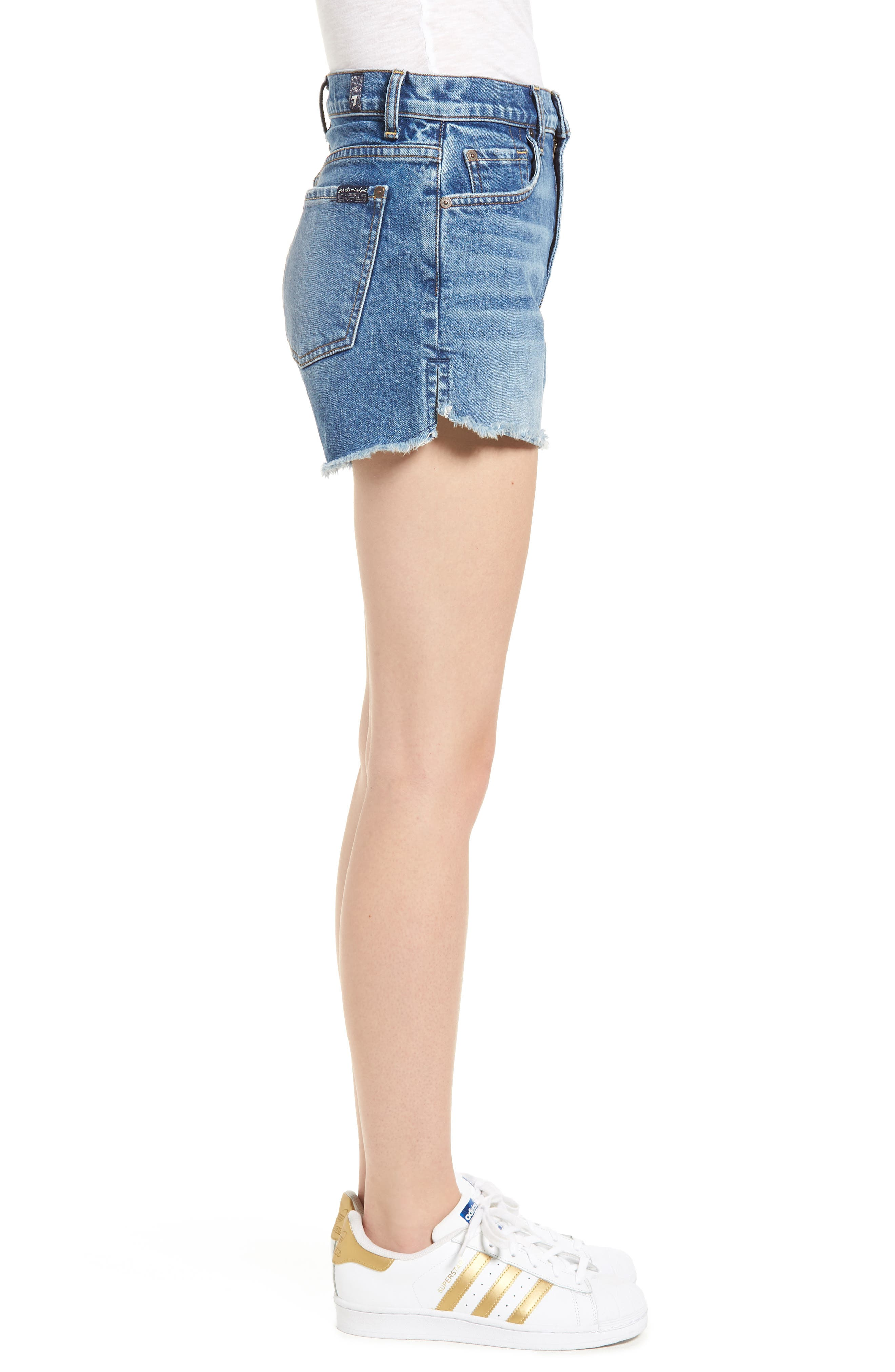 Cutoff Step Hem Denim Shorts,                             Alternate thumbnail 3, color,                             401