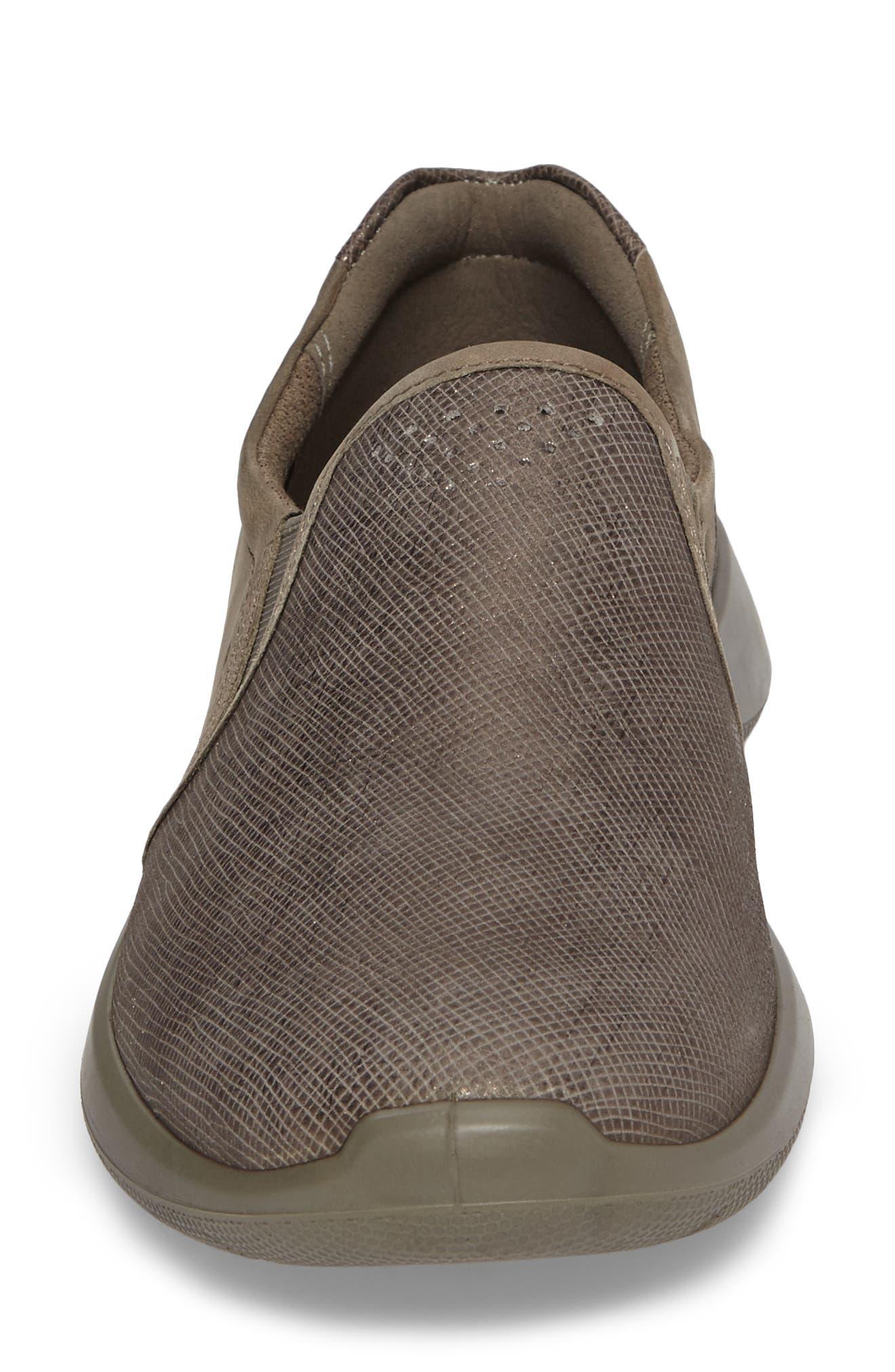 Soft 5 Slip-On Sneaker,                             Alternate thumbnail 4, color,                             082