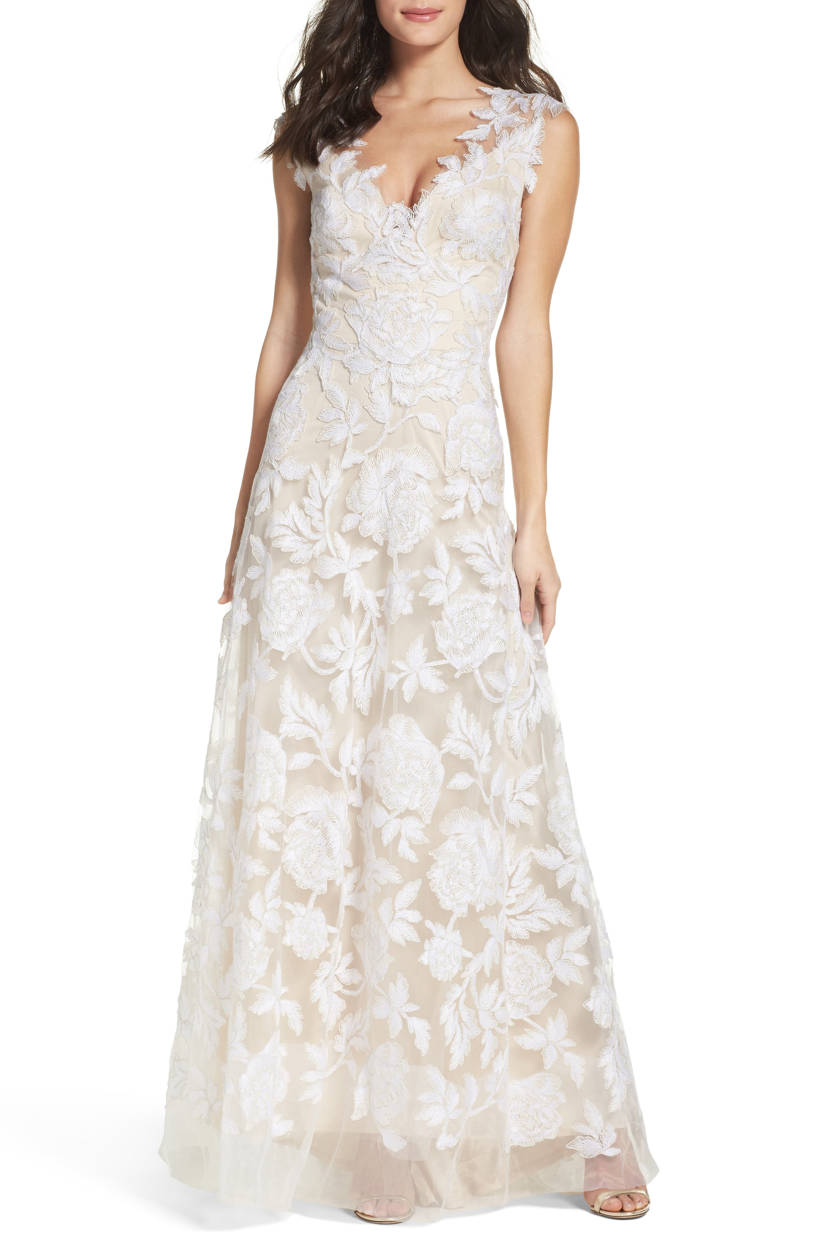 Vintage Inspired Wedding Dress | Vintage Style Wedding Dresses Womens Tadashi Shoji A-Line Lace Gown Size 8 - Ivory $998.00 AT vintagedancer.com
