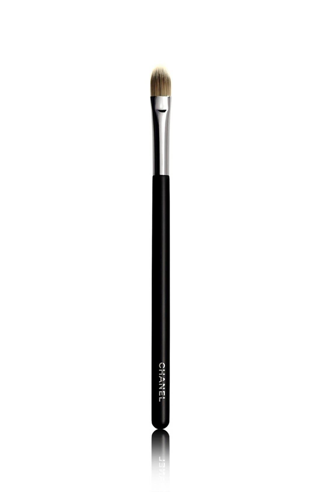 PINCEAU CORRECTEUR<br />Concealer Brush #10,                             Main thumbnail 1, color,                             000