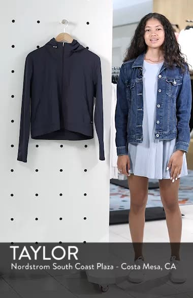 Swift Run Jacket, sales video thumbnail