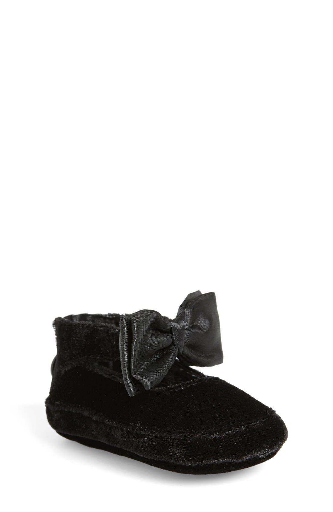 'Baby Nantucket' Crib Shoe,                         Main,                         color, 001