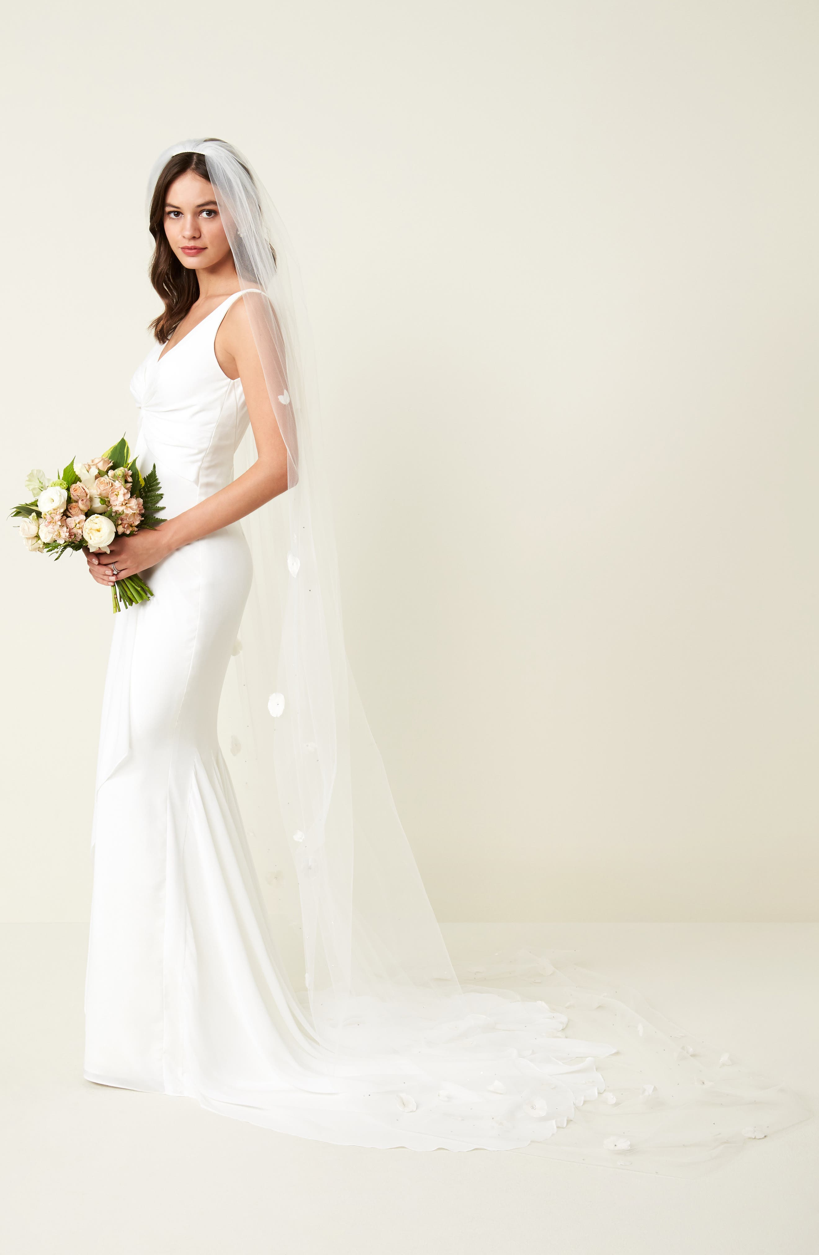 Fleet Embellished Bridal Veil,                             Alternate thumbnail 3, color,                             LIGHT IVORY