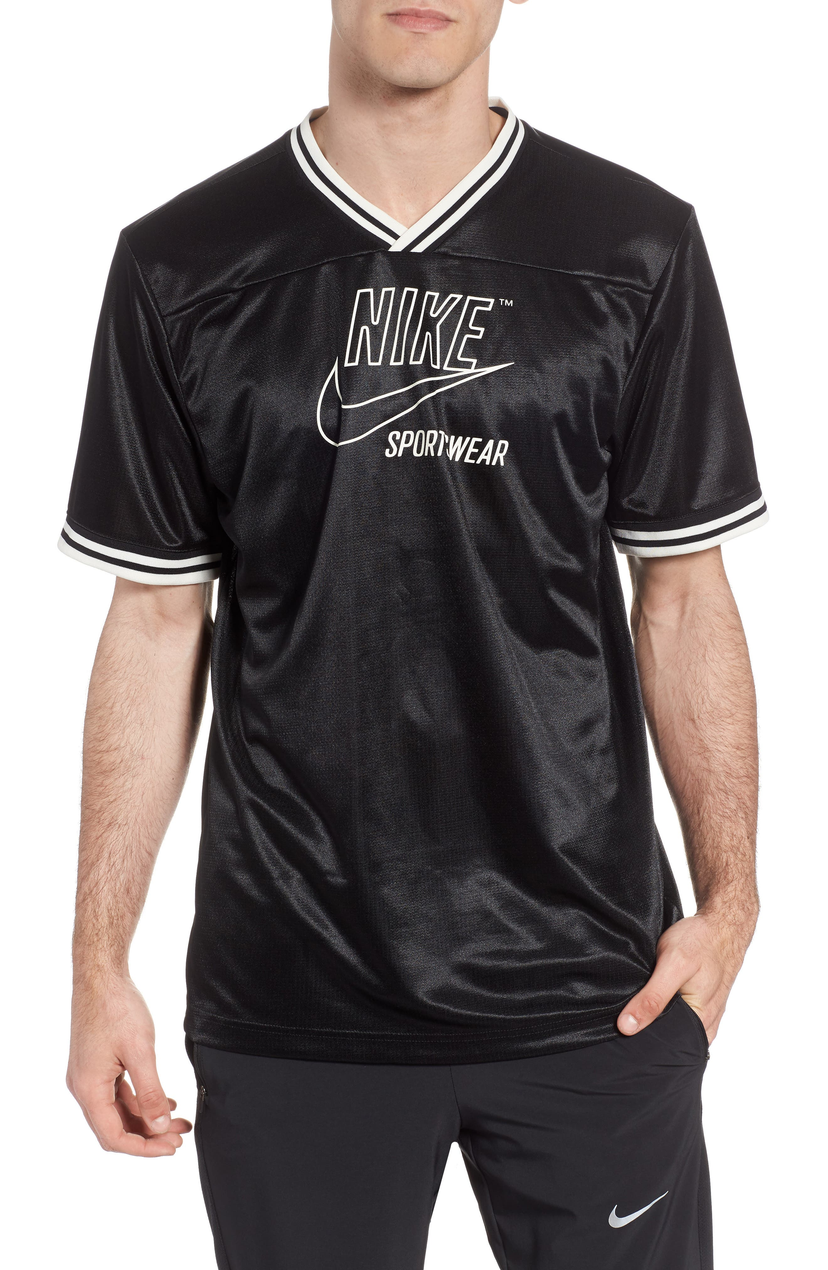 NIKE NSW Archive V-Neck T-Shirt, Main, color, 010