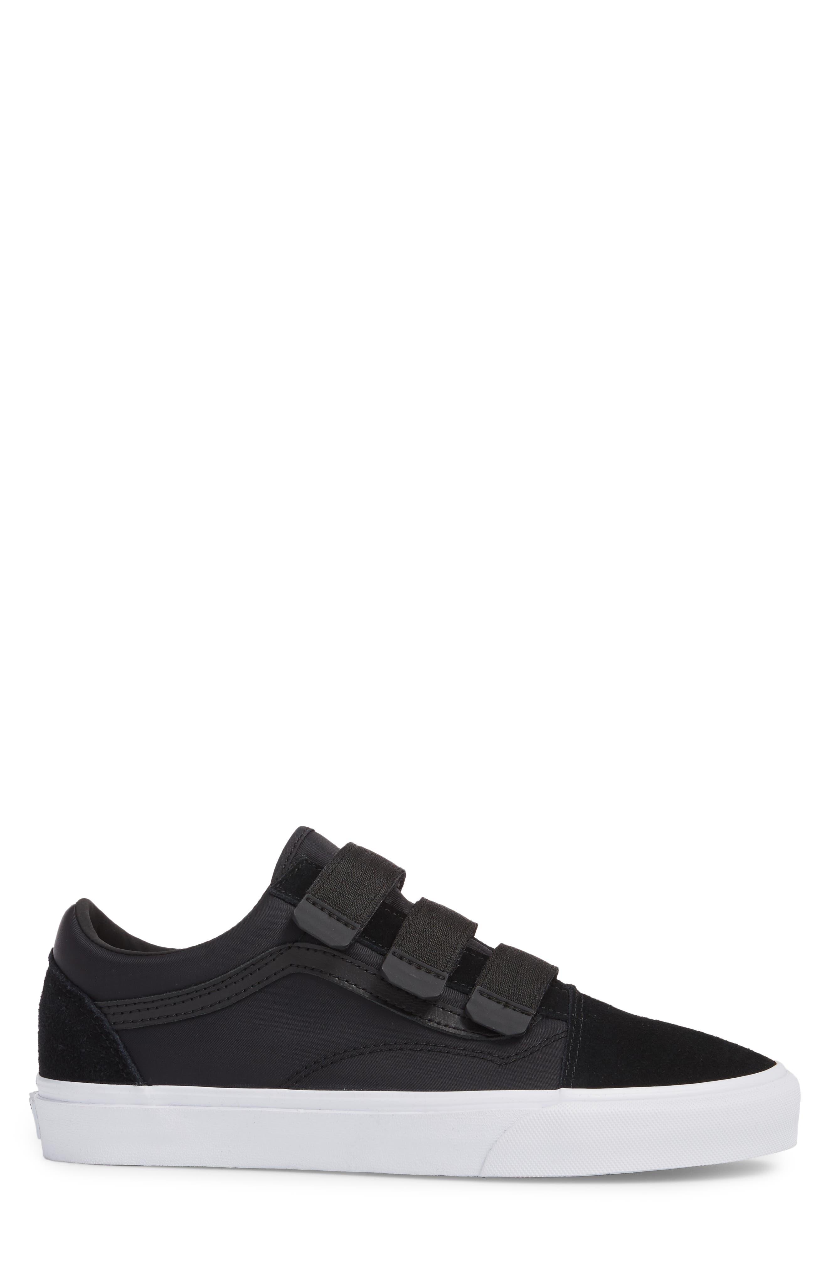 Old School V-Sneaker,                             Alternate thumbnail 3, color,                             001
