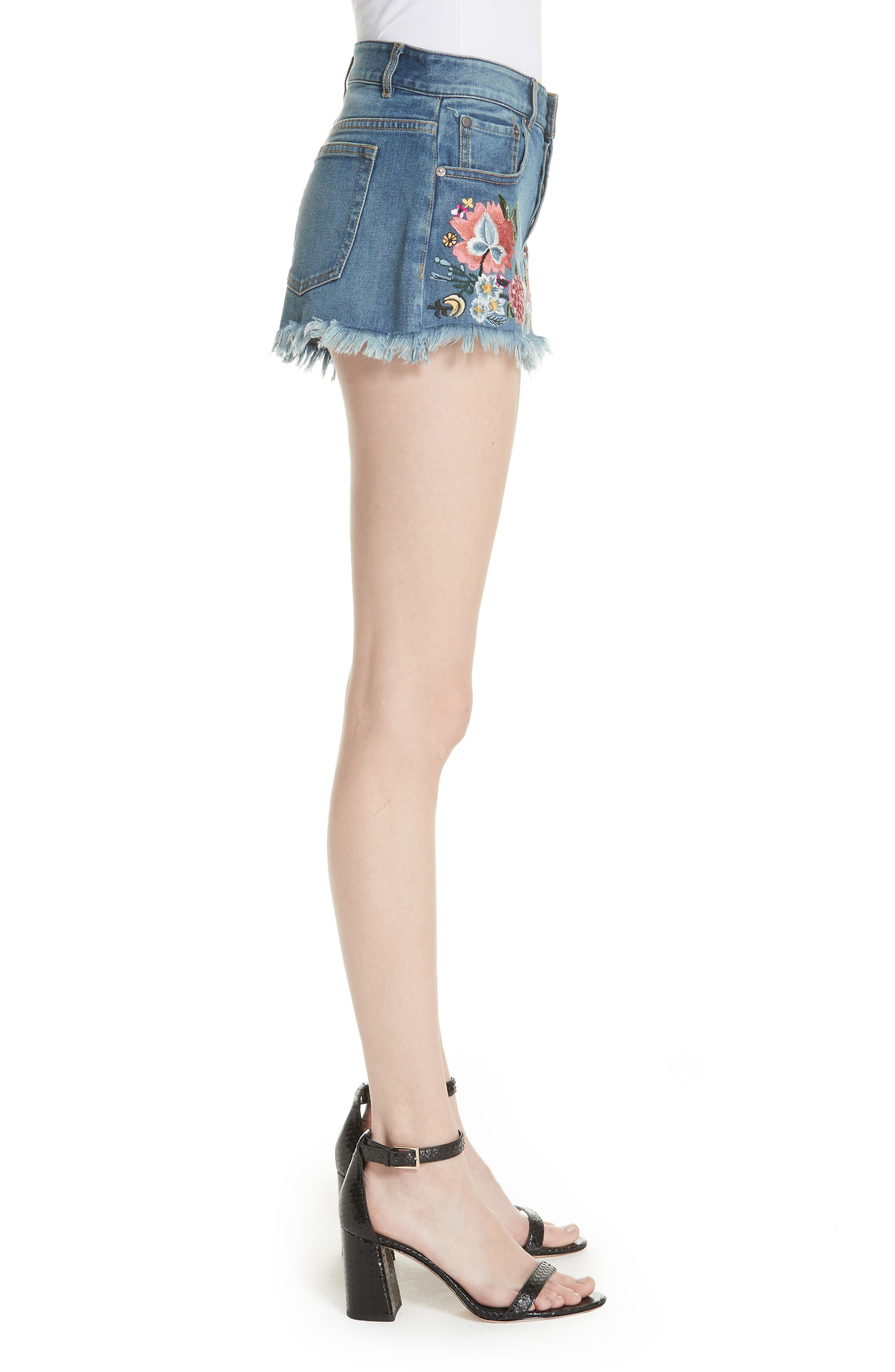 ALICE + OLIVIA JEANS,                             Embroidered Denim Shorts,                             Alternate thumbnail 3, color,                             460