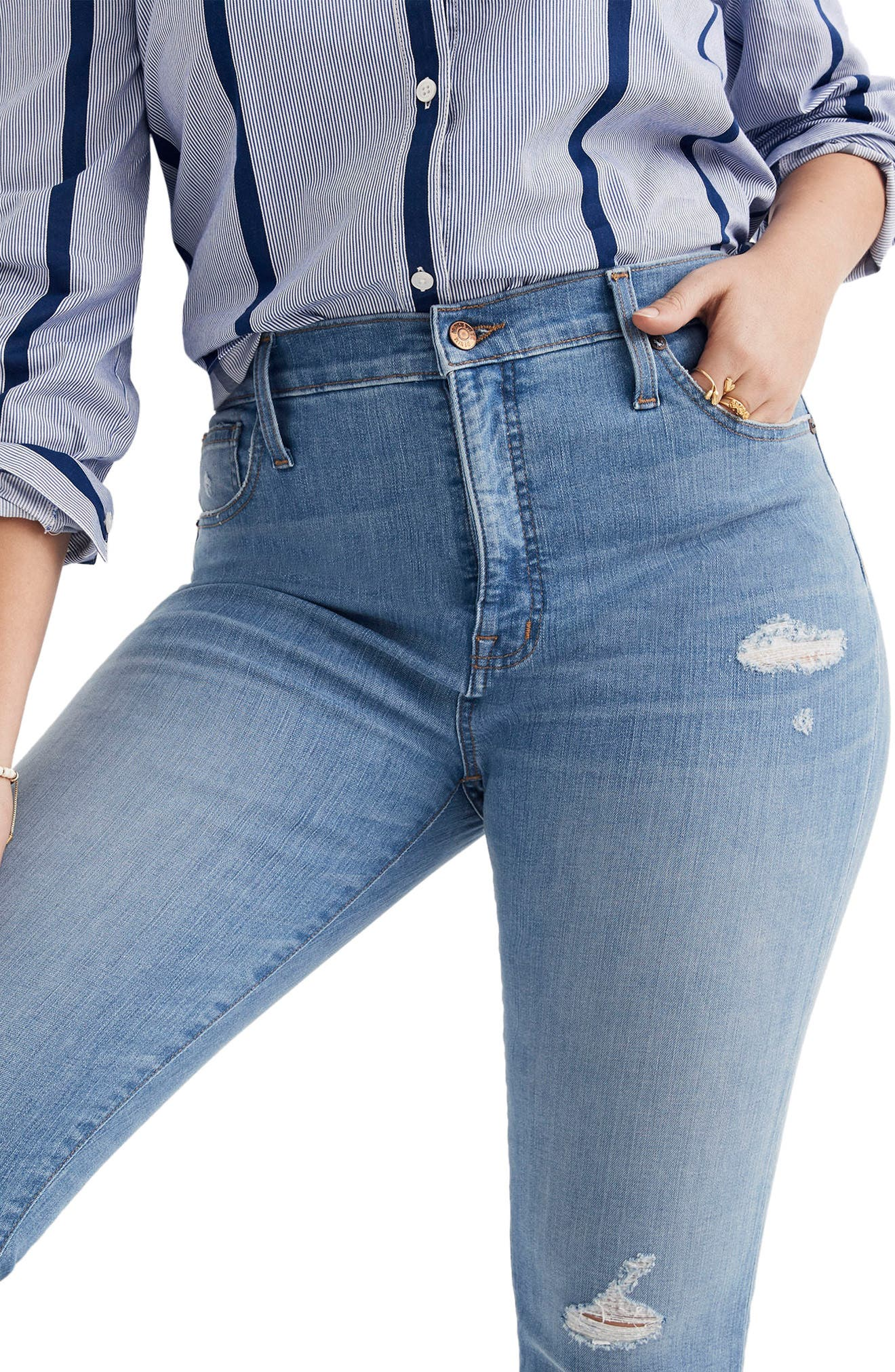 9-Inch High Waist Skinny Jeans,                             Alternate thumbnail 4, color,                             900