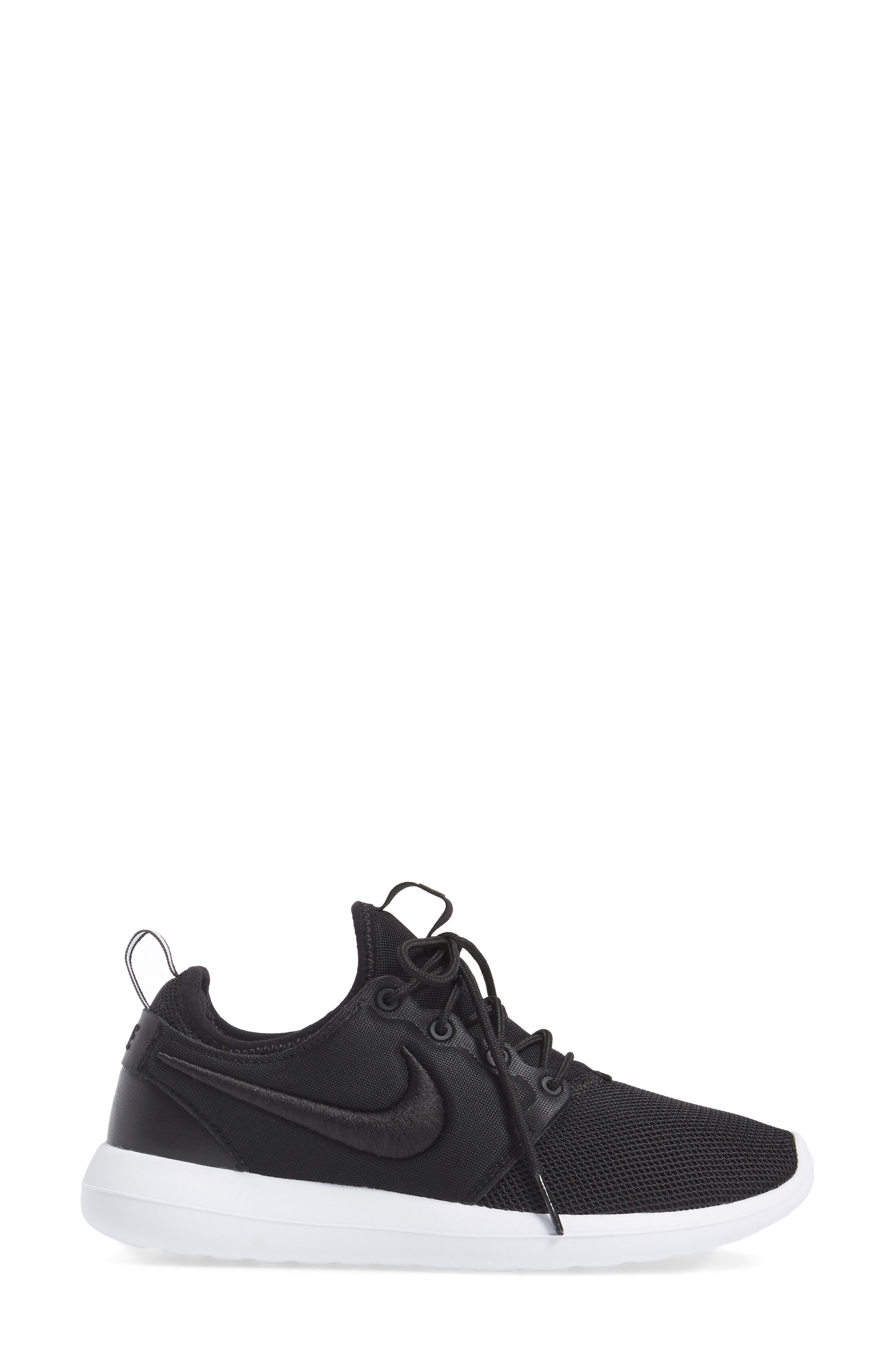 Roshe Two Breathe Sneaker,                             Alternate thumbnail 3, color,                             001