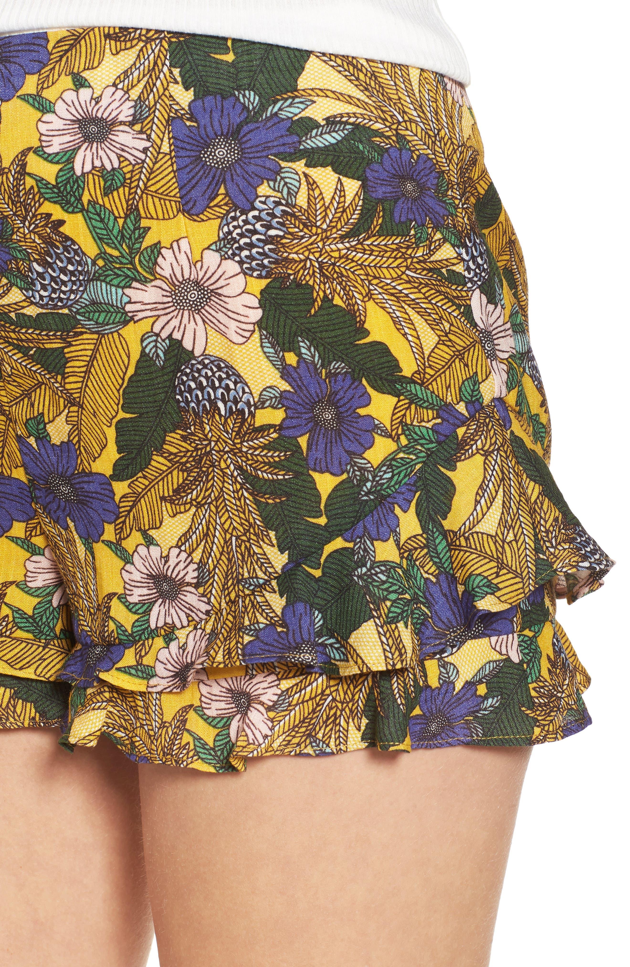 Isla Print Ruffle Shorts,                             Alternate thumbnail 4, color,
