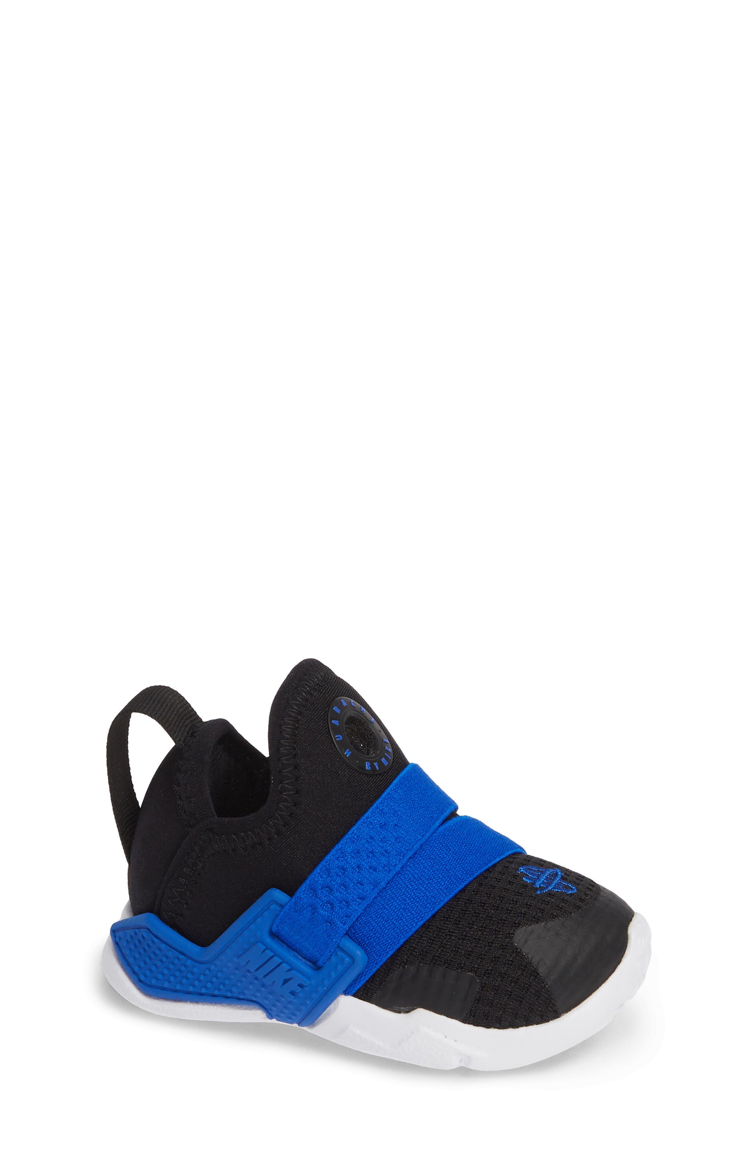Huarache Extreme Sneaker,                         Main,                         color, BLACK/ BLUE-WHITE