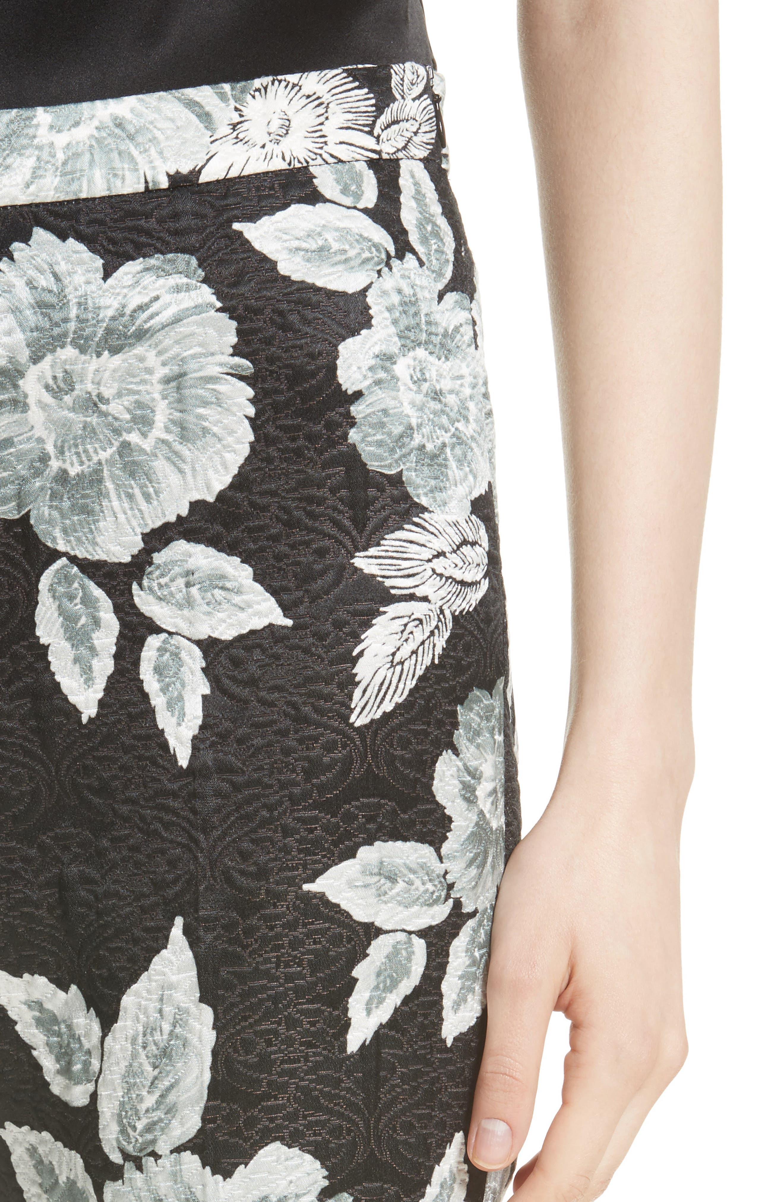 Textured Floral Print Capri Pants,                             Alternate thumbnail 4, color,                             001
