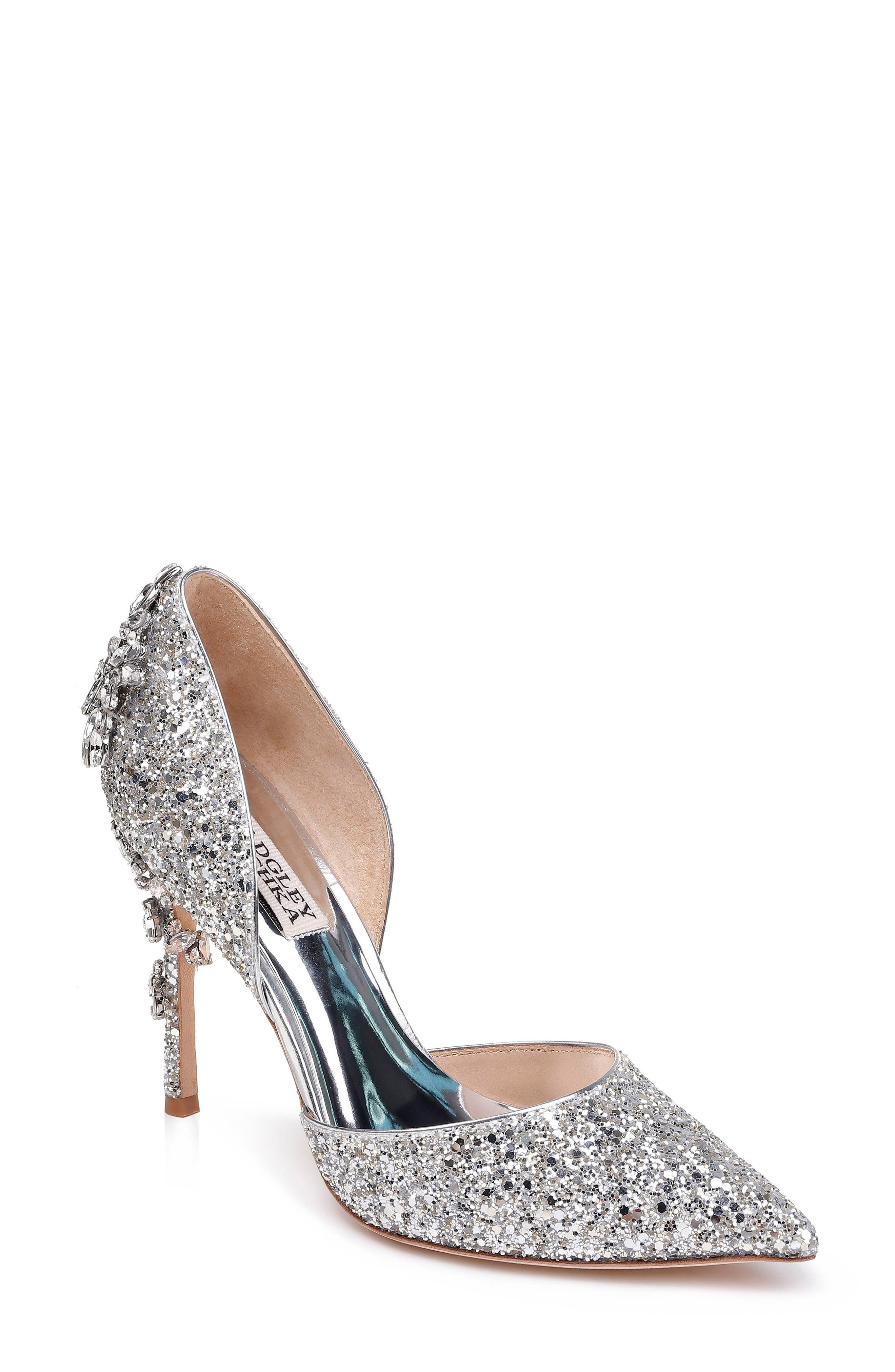 BADGLEY MISCHKA Vogue Iii Glitter Pumps in Silver Glitter