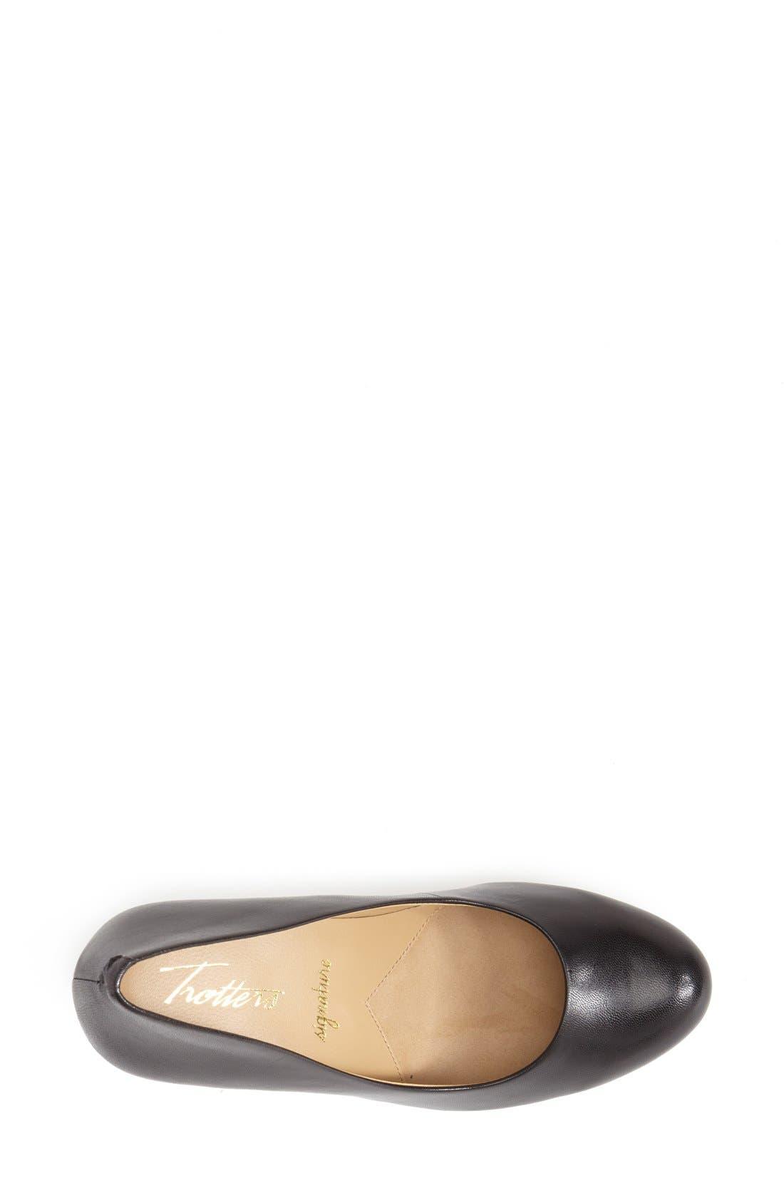 'Signature Gigi' Round Toe Pump,                             Alternate thumbnail 4, color,                             BLACK