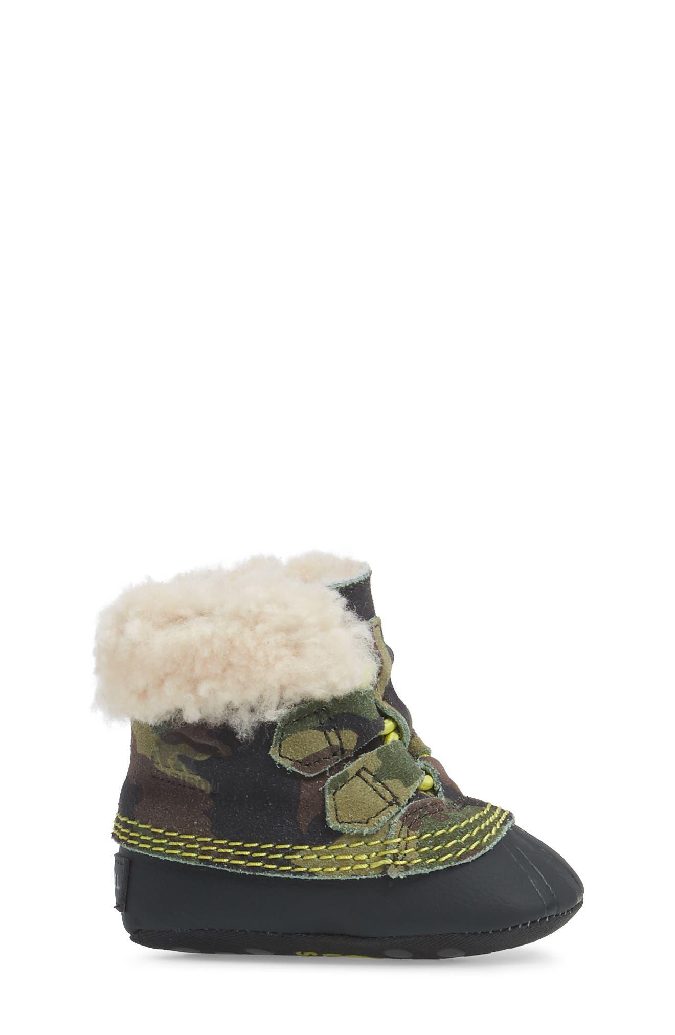 Caribootie Genuine Shearling Crib Shoe,                             Alternate thumbnail 16, color,