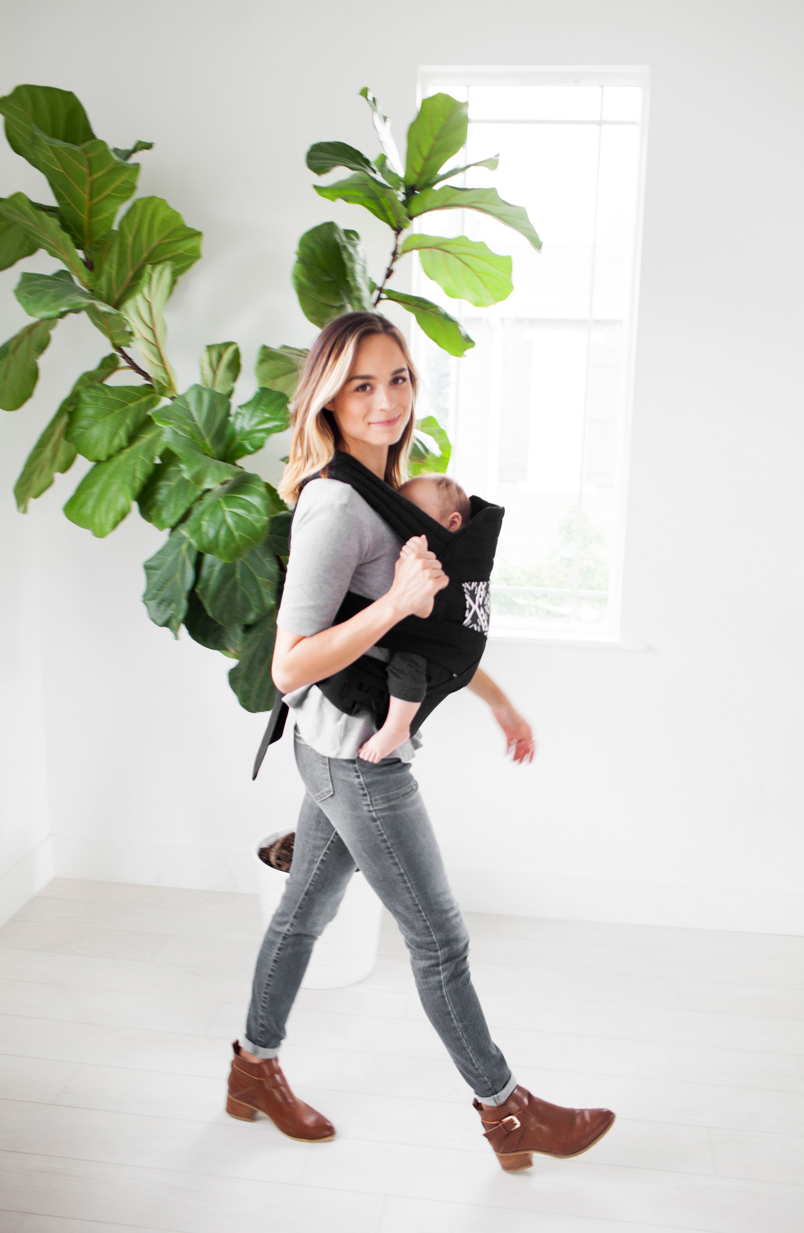 Wrap Buckle Baby Carrier,                             Alternate thumbnail 4, color,                             001