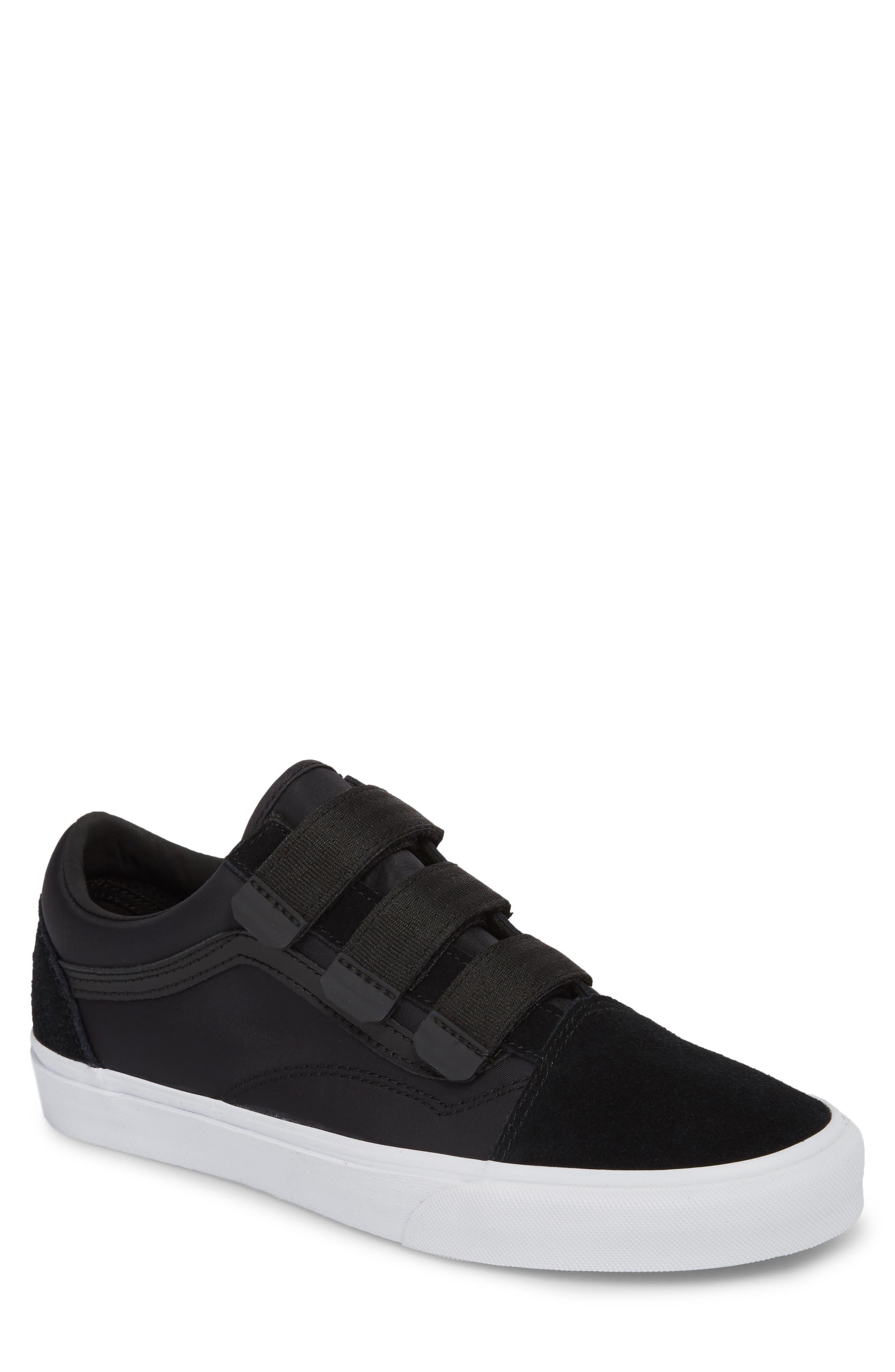Old School V-Sneaker,                         Main,                         color, 001