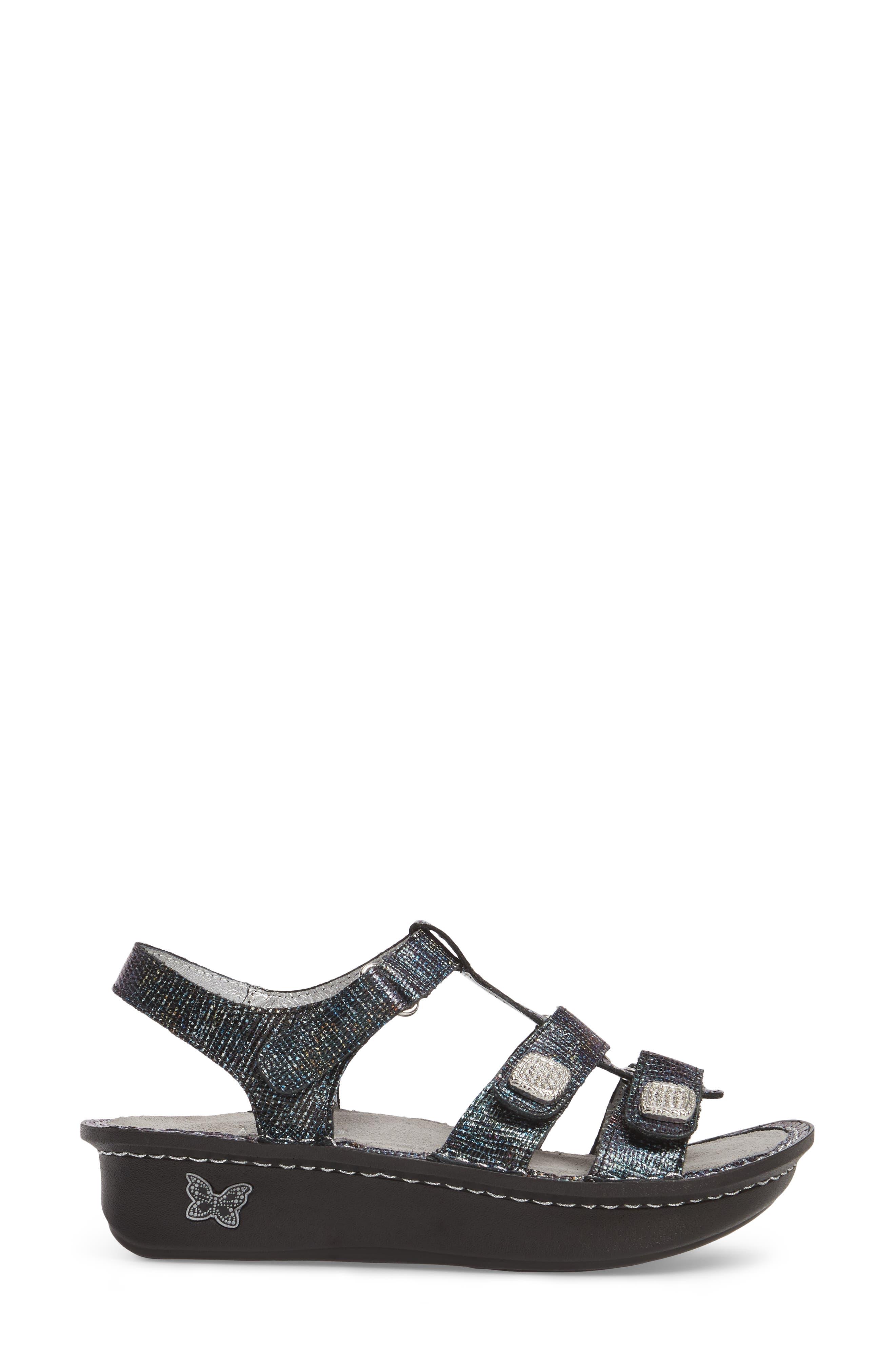 'Kleo' Sandal,                             Alternate thumbnail 3, color,                             002