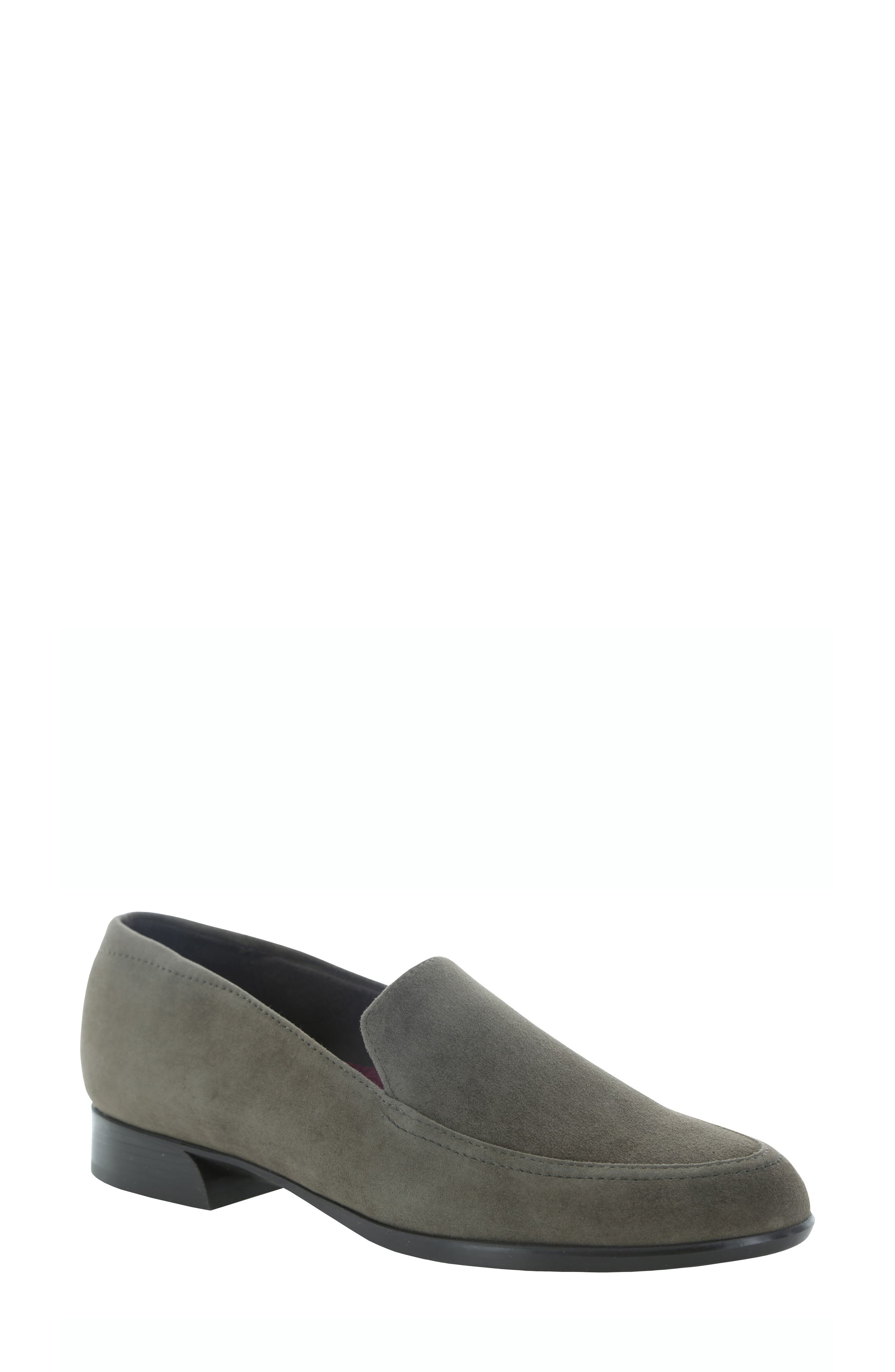 MUNRO Harrison Loafer in Seal Grey Suede