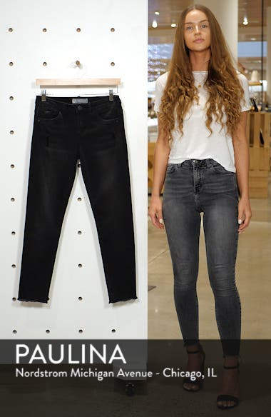 Seamless Frayed Ankle Skimmer Jeans, sales video thumbnail