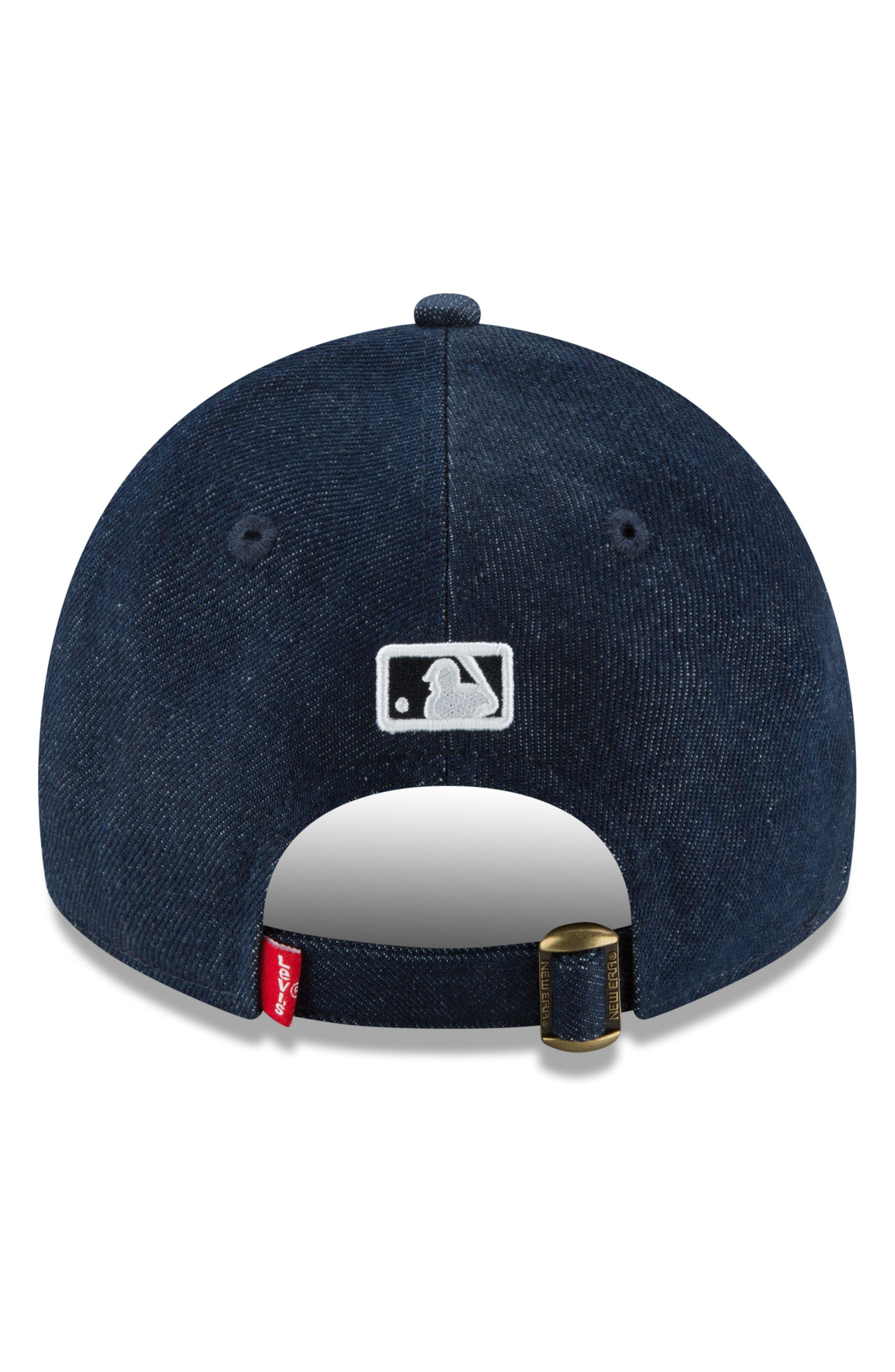 x Levi's<sup>®</sup> MLB Micro Batterman Baseball Cap,                             Alternate thumbnail 4, color,                             BLACK