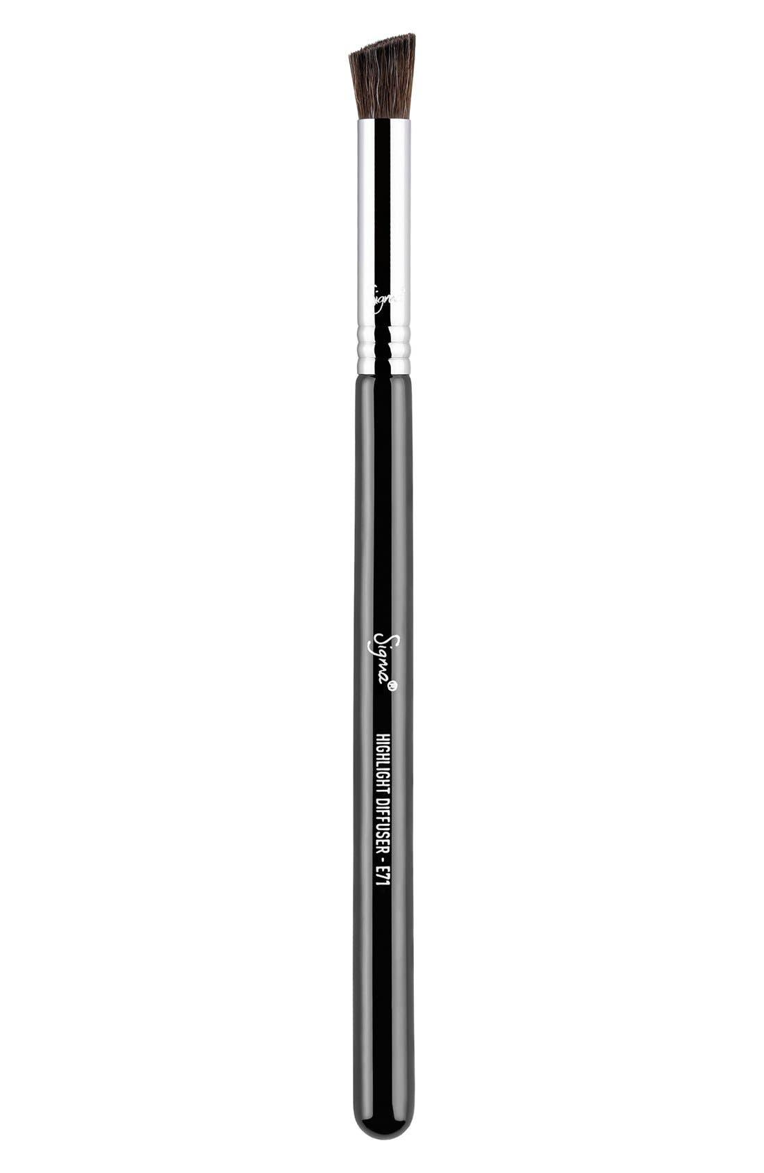 E71 Highlight Diffuser<sup>™</sup> Brush,                             Main thumbnail 1, color,                             NO COLOR