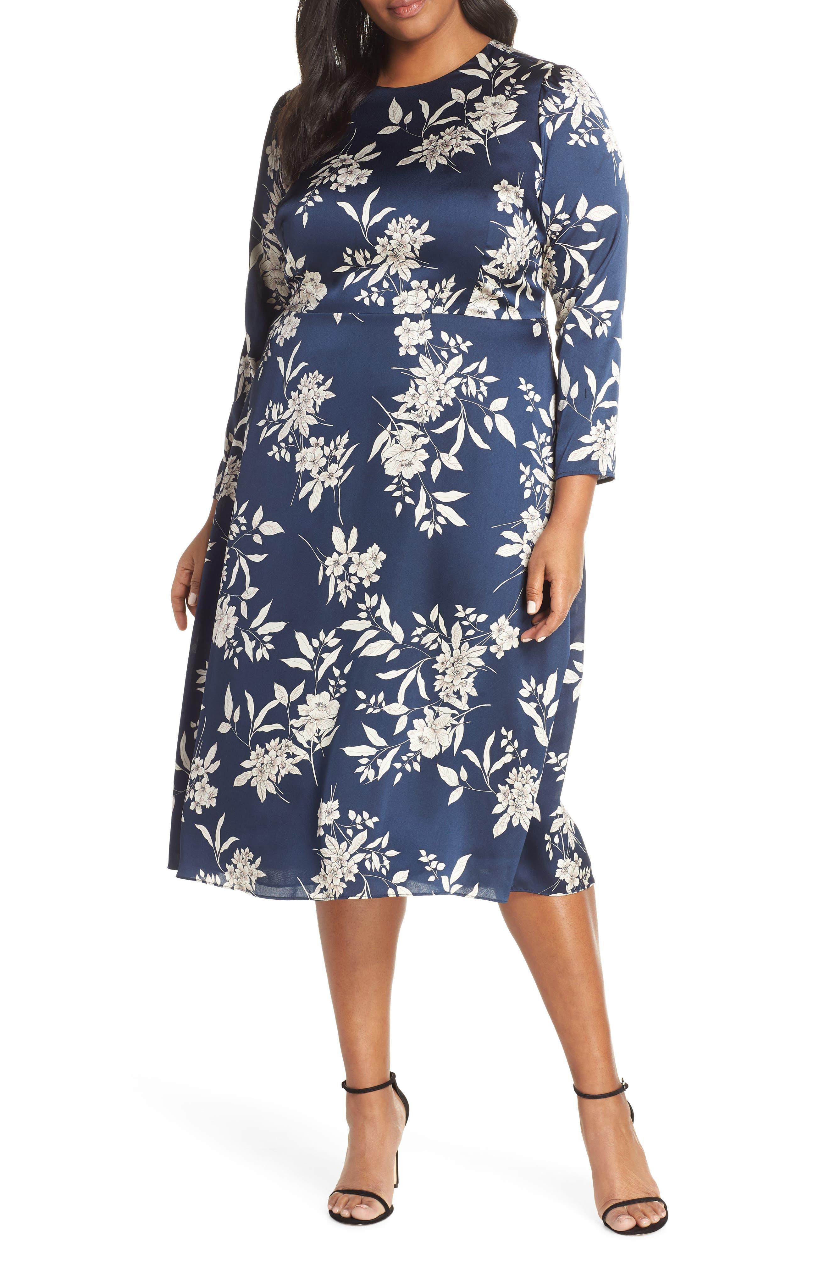 Plus Size Vince Camuto Etched Bouquet Midi Dress, Blue