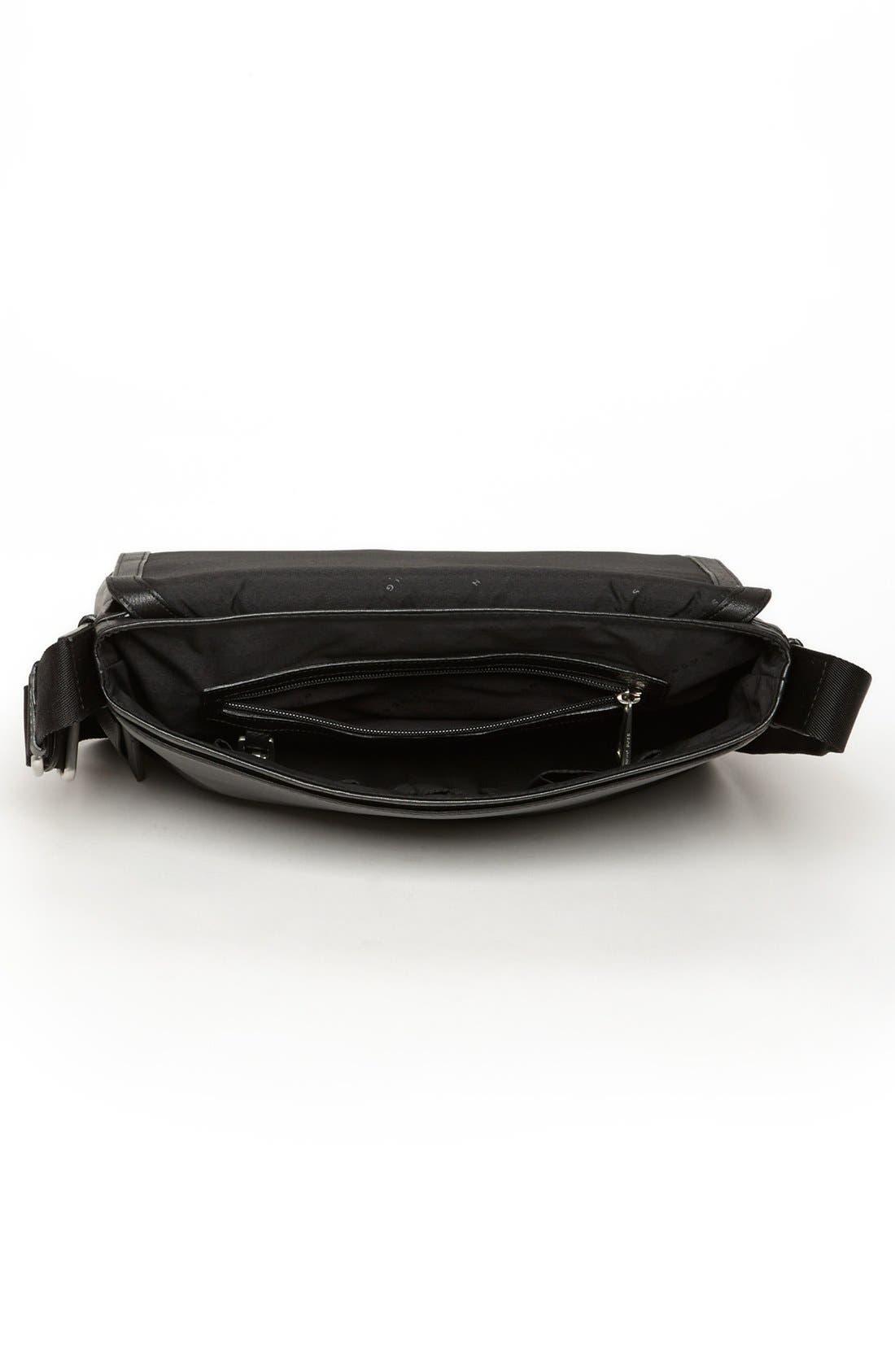 HUGO BOSS 'Barter' Leather Messenger Bag,                             Alternate thumbnail 3, color,                             001