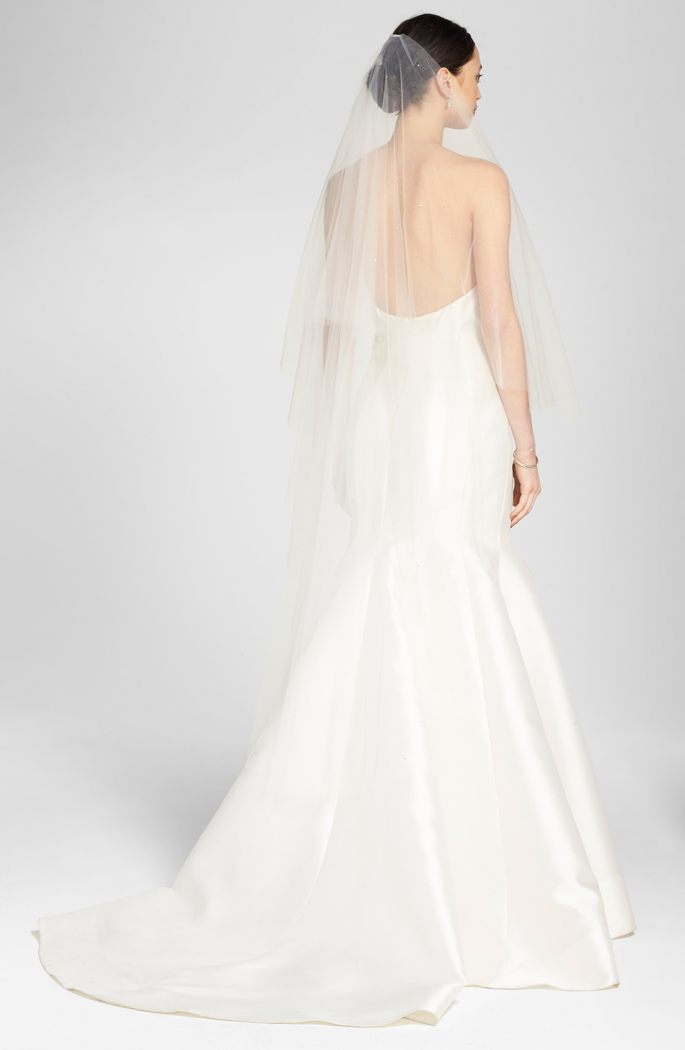 'Chakra' Circle Cut Waltz Length Veil, Main, color, LIGHT IVORY