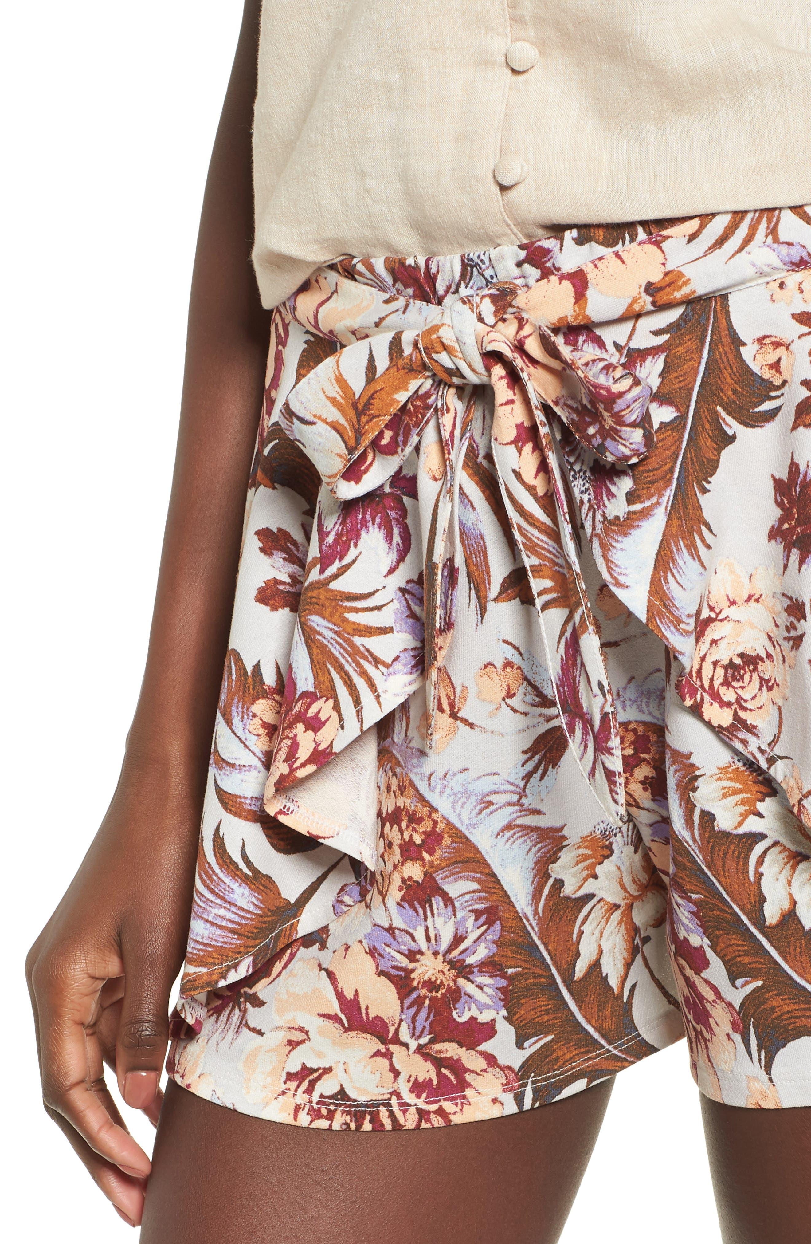 Print Tulip Hem Shorts,                             Alternate thumbnail 4, color,
