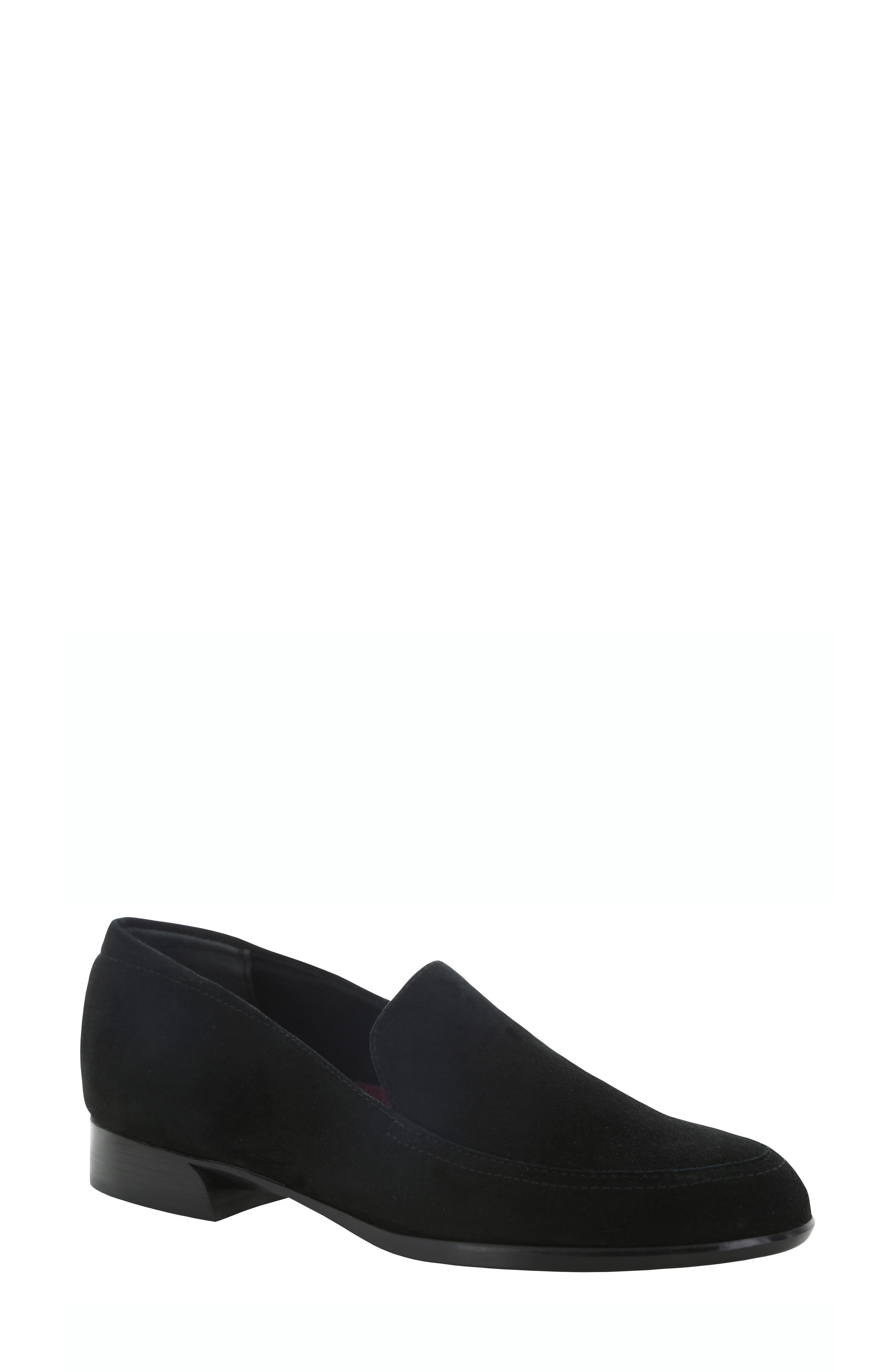 MUNRO Harrison Loafer in Black Suede