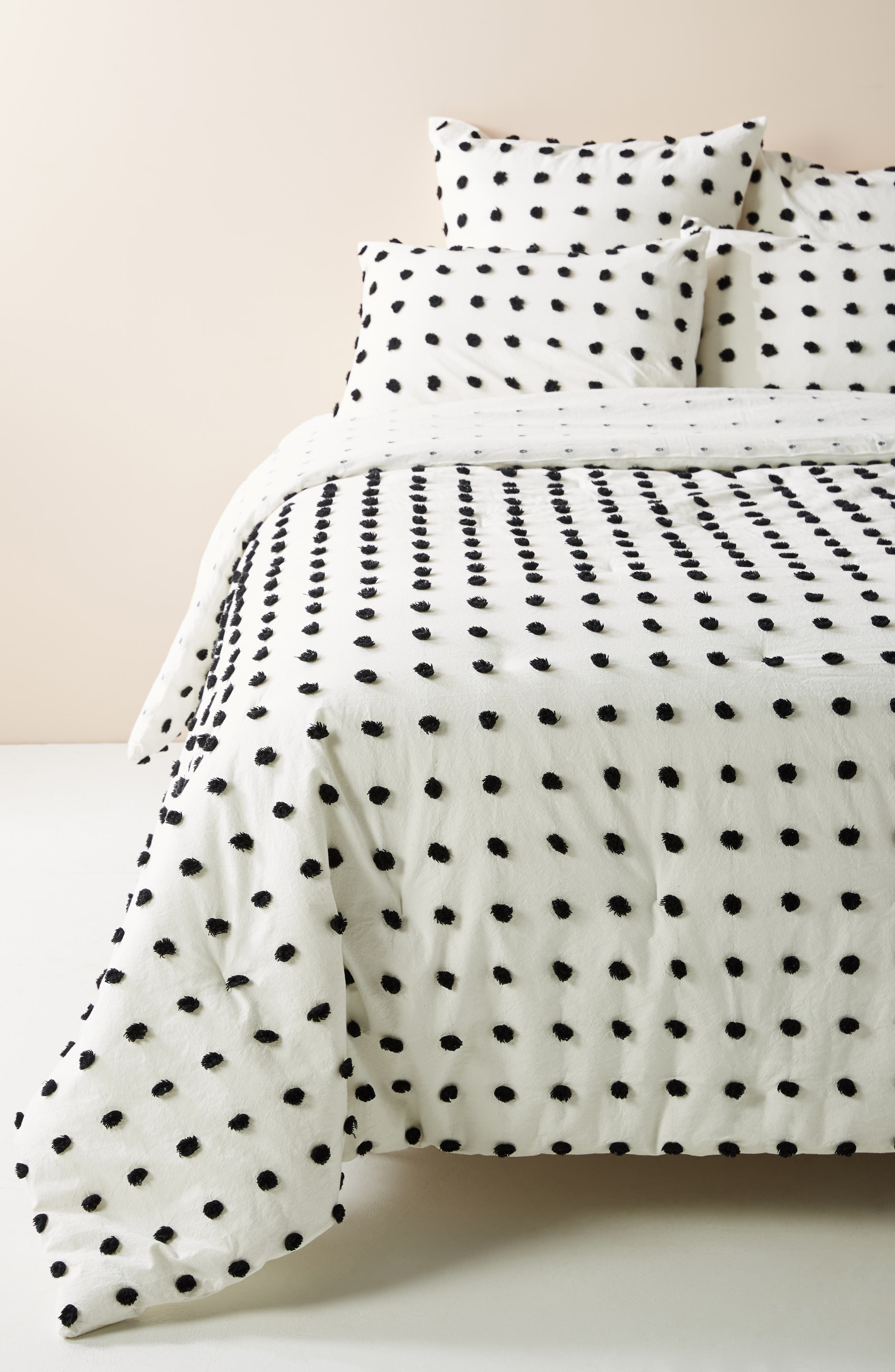 anthropologie tufted makers quilt, size full - white
