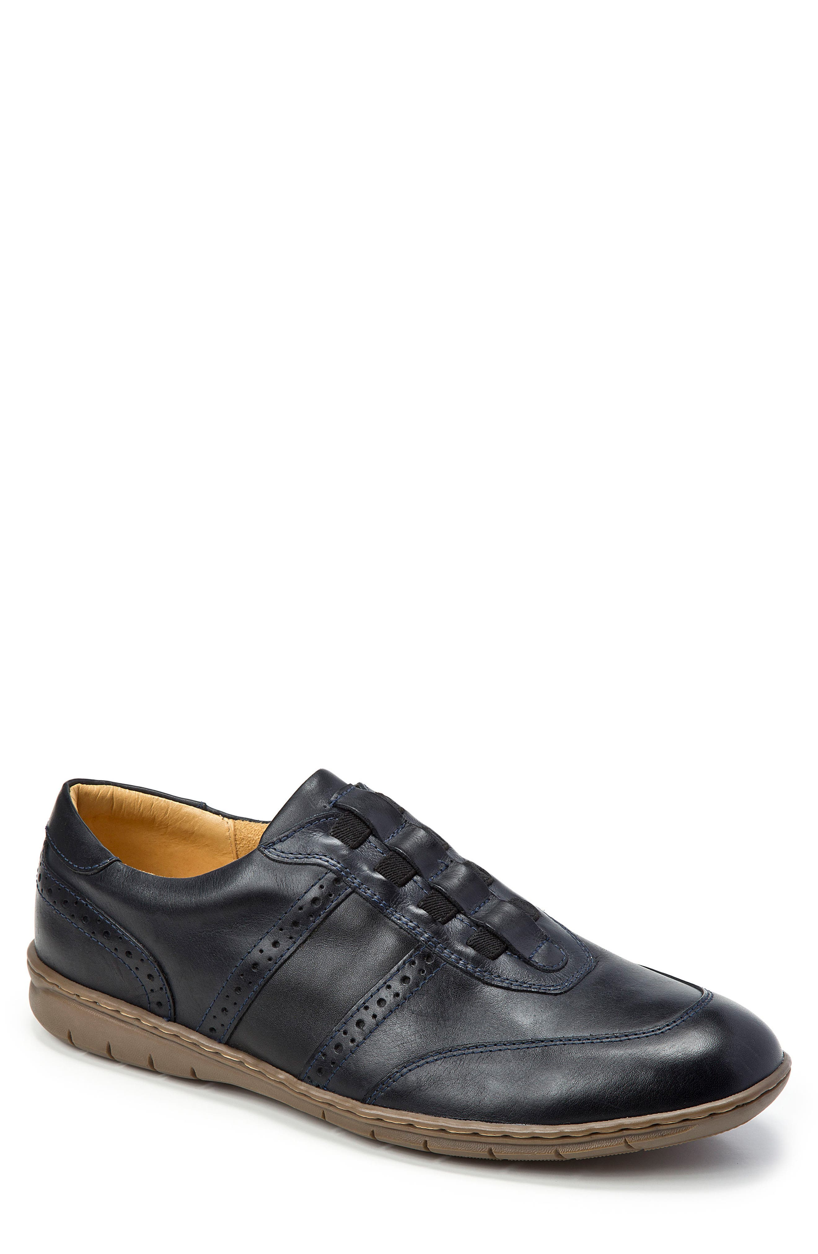 Noah Slip-On Sneaker,                         Main,                         color, BLACK